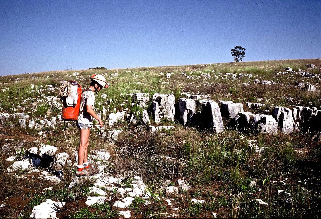 Alain Martaud prospecting in the Santo Antono plateau. (Photo: Didier Boy De La Tour)