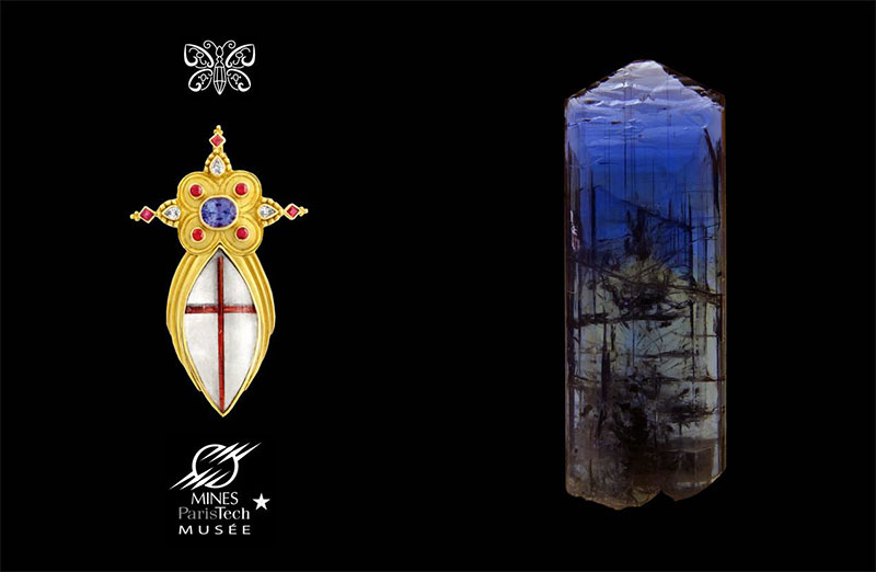 Pendant in rutilated quartz and tanzanite by Paula Crevoshay, and tanzanite rough crystal in the collection of the Mineralogy Museum.