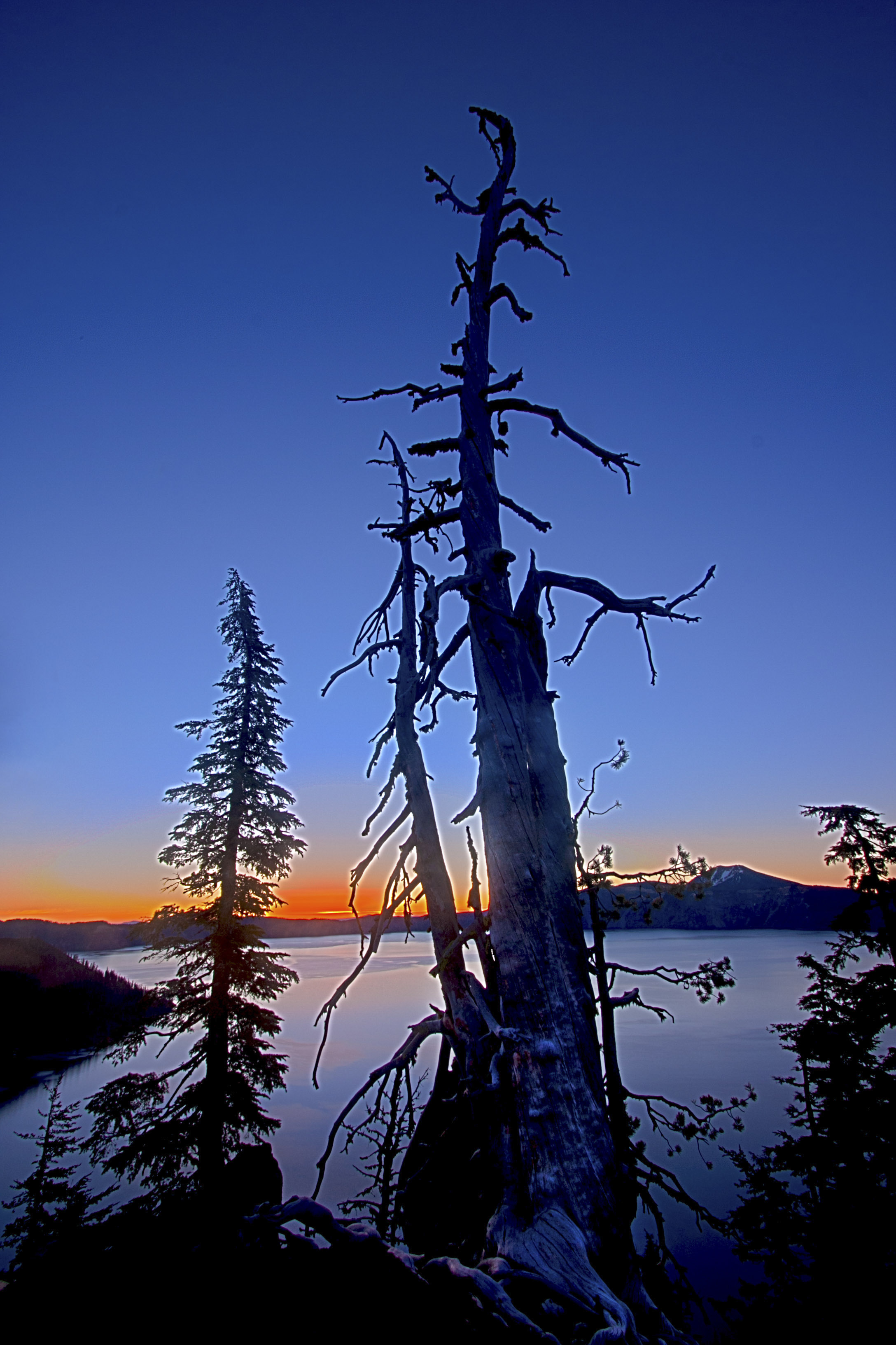 craterLakeSunrise201302.JPG