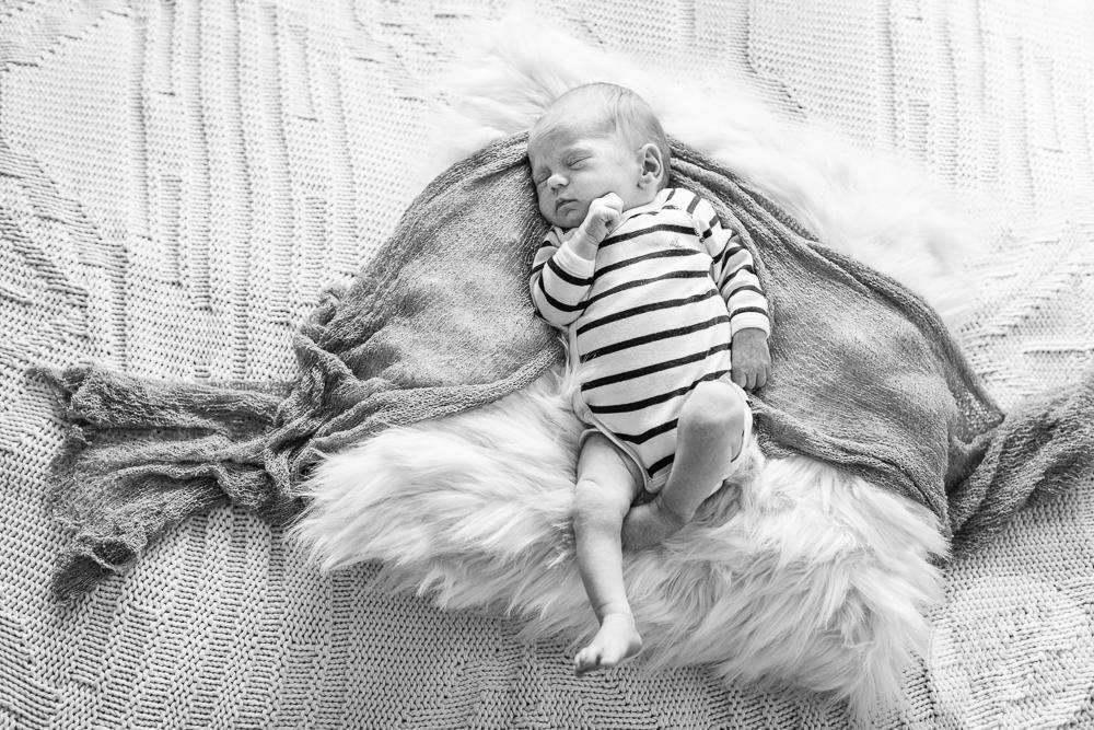 Olson Family_Astrid Newborn 2017_Blog-051.jpg