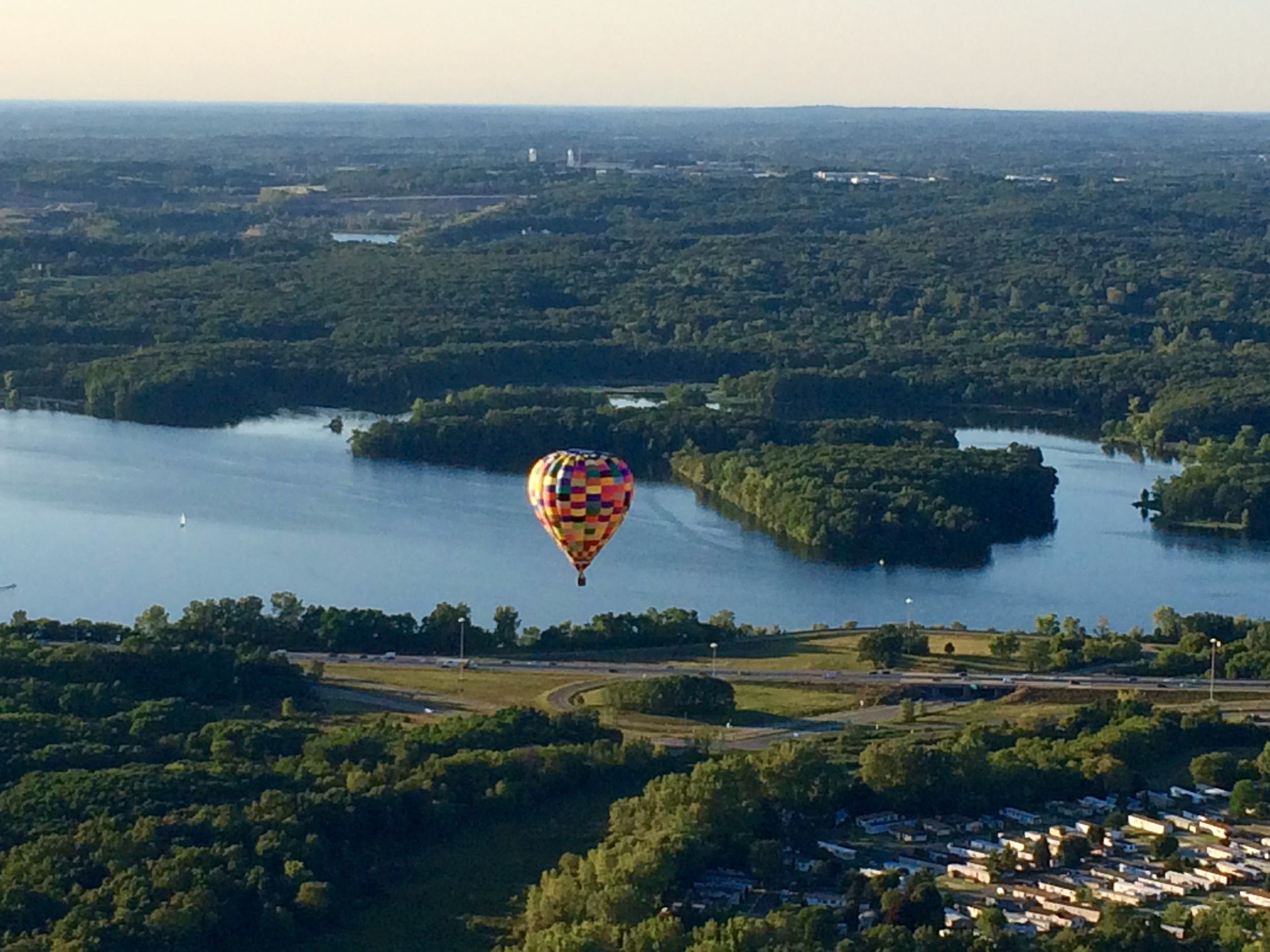 Bit of a view of Kent Lake...and so nice of a companion balloon to provide context.