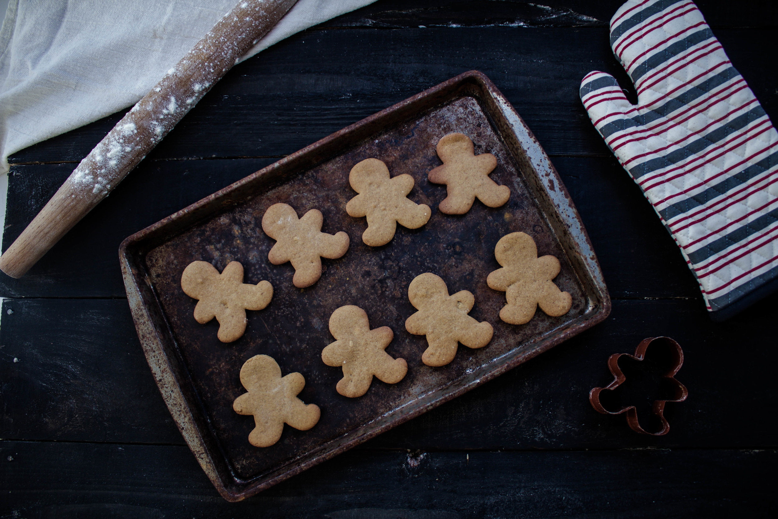 Tahini Gingerbread Men