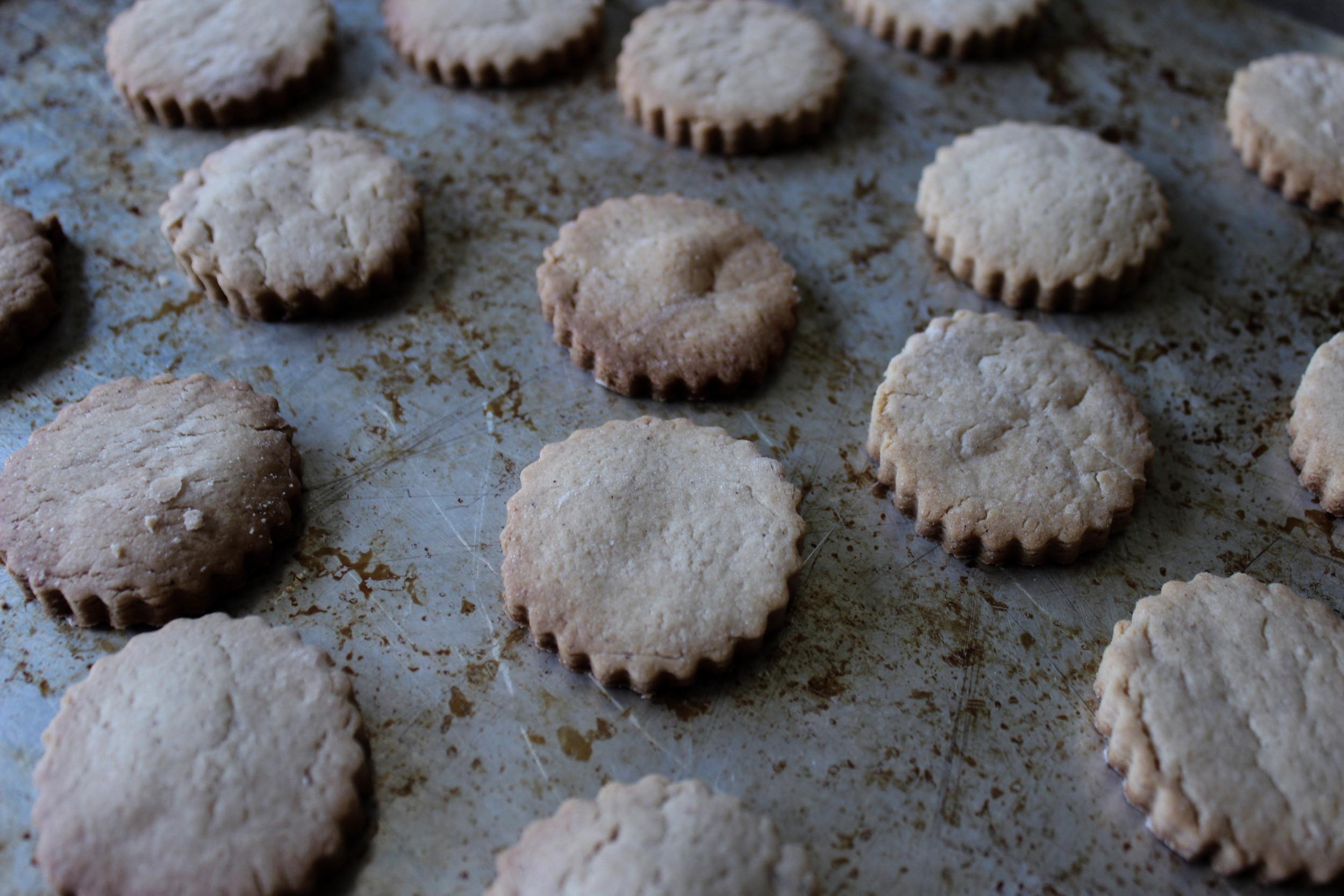 Roasted Banana Shortbread Cookies