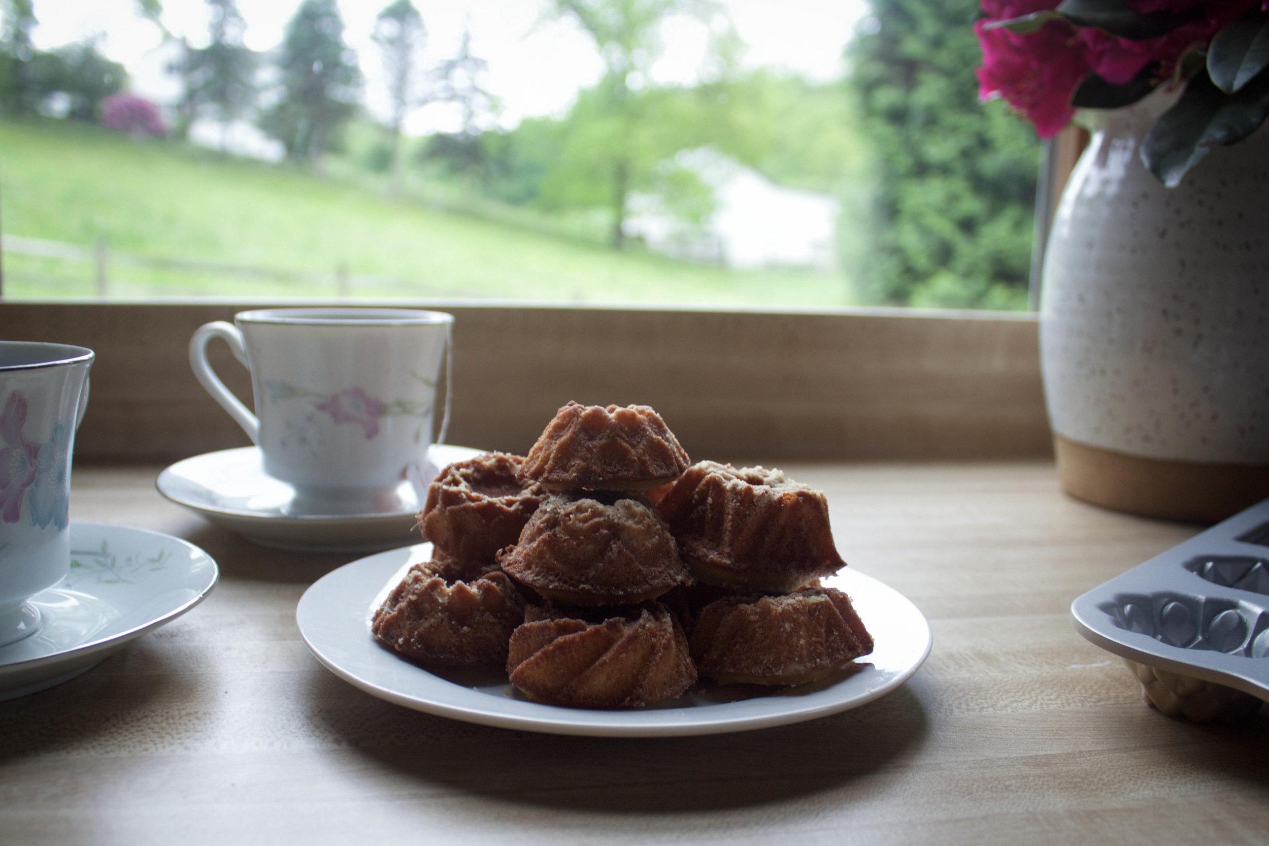 NordicWare mini tea party cakes