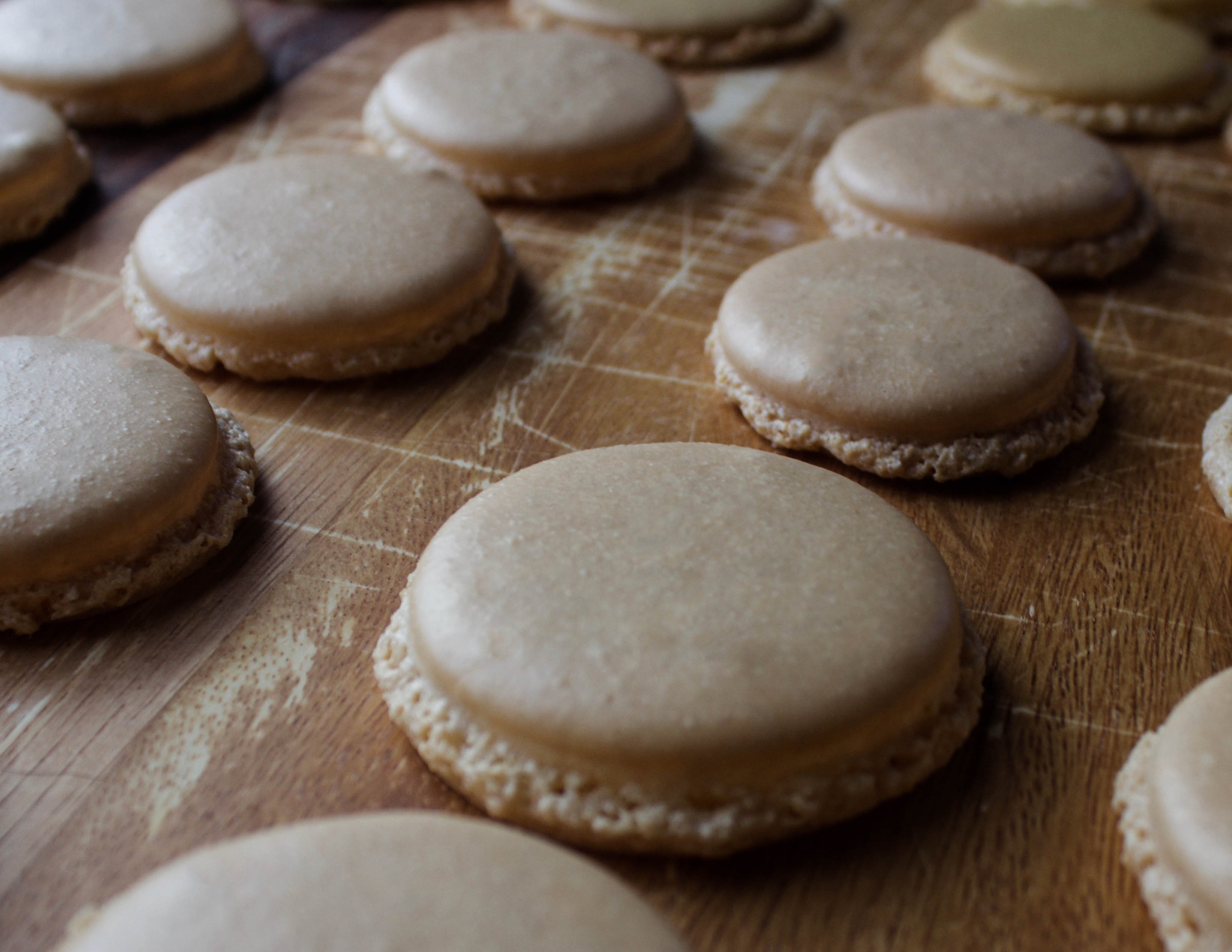 Vanilla and Lemon Macarons with Silpat