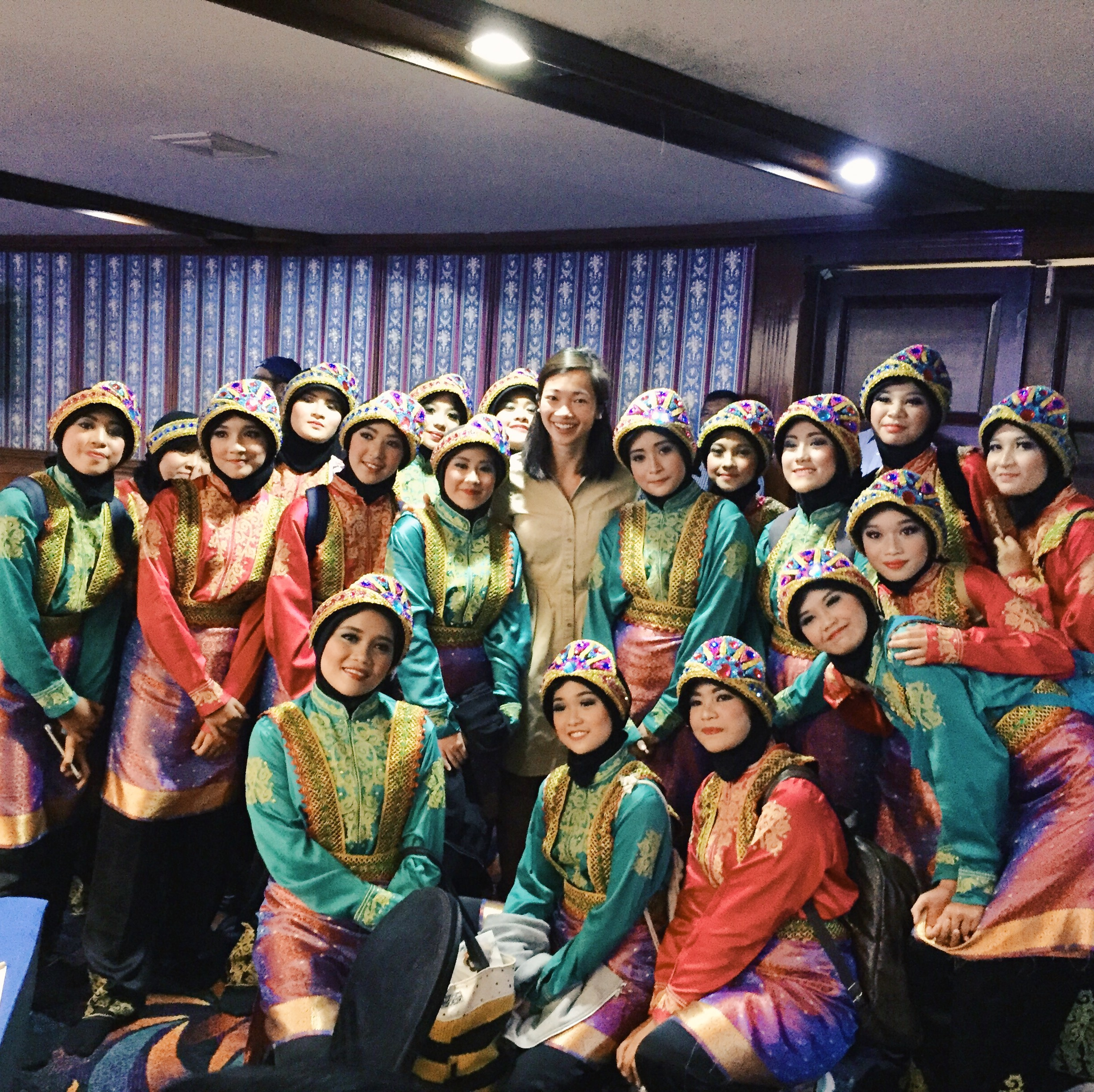 Cathy with the Indonesian dancers