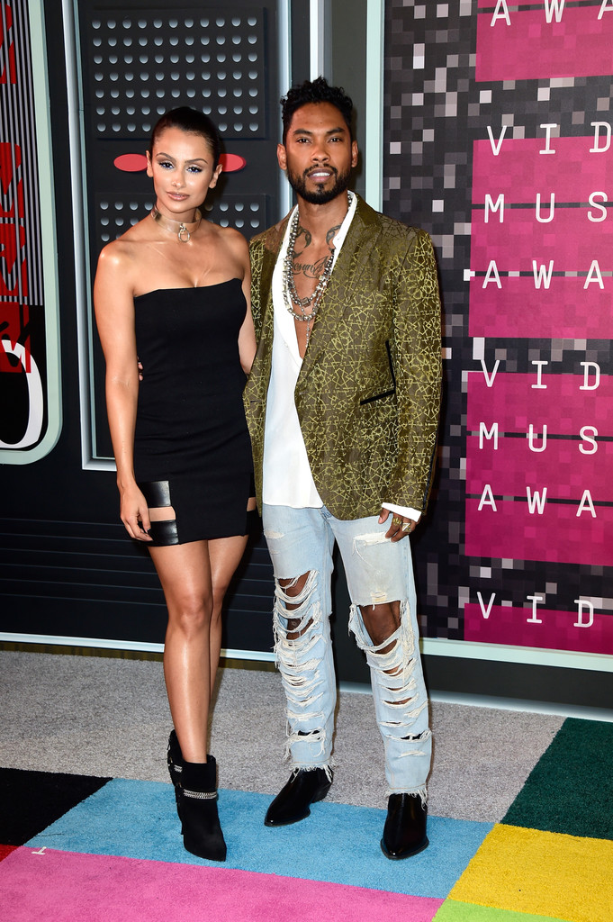 miguel-vma-red-carpet-2015