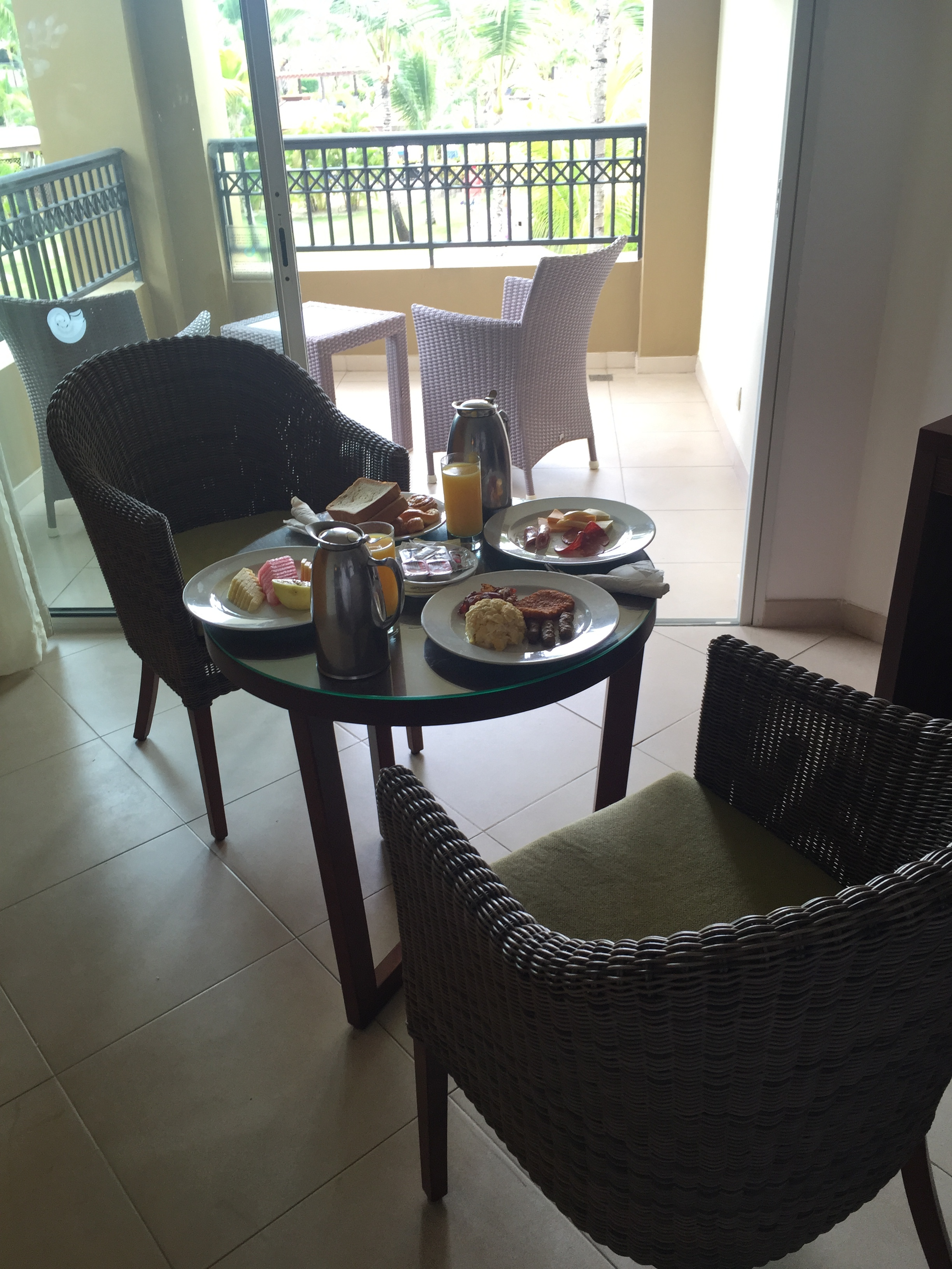 sam-c-perry-room-service-now-larimar-punta-cana.jpg