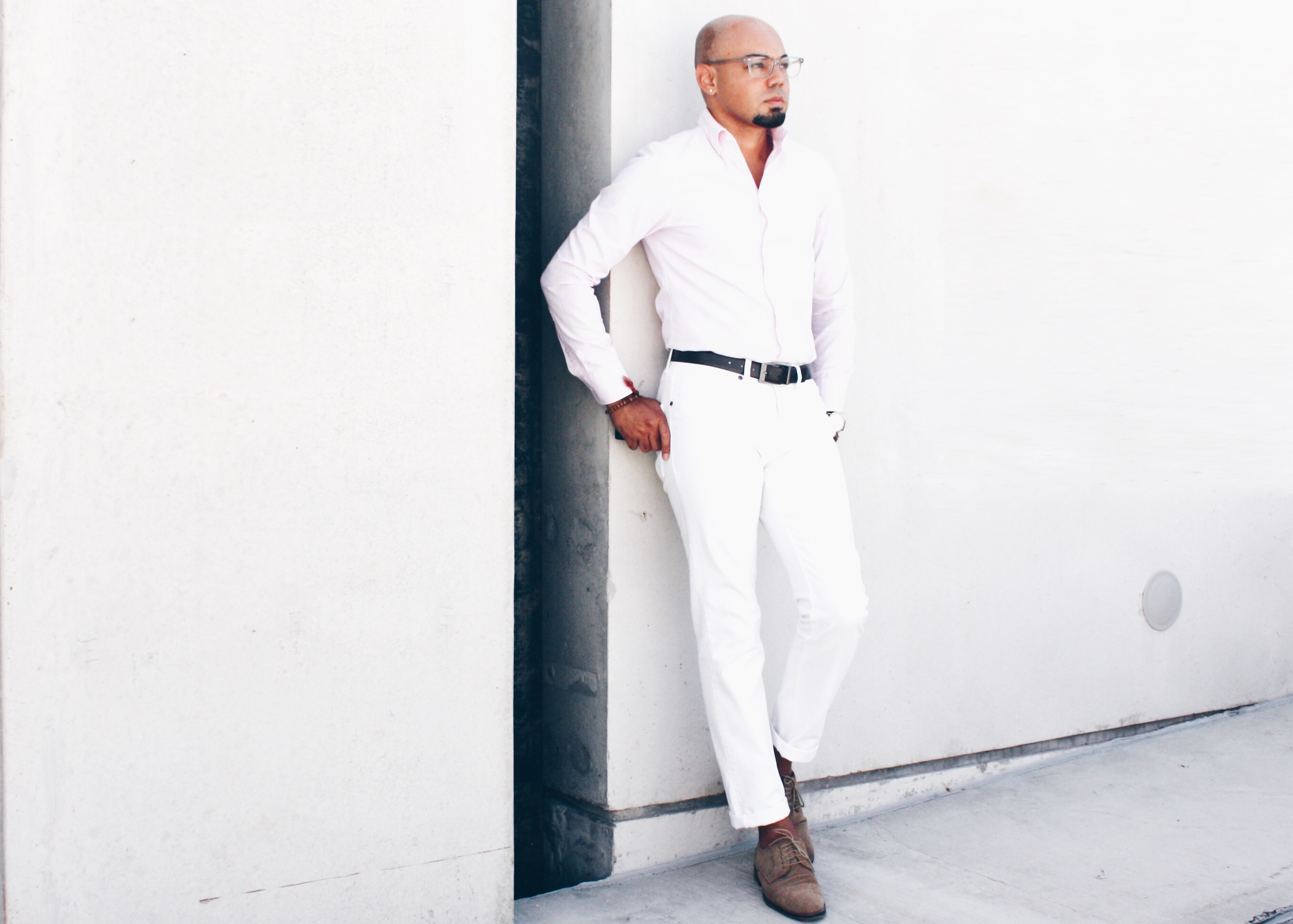 sam-c-perry-5-ways-to-wear-denim-white.jpg