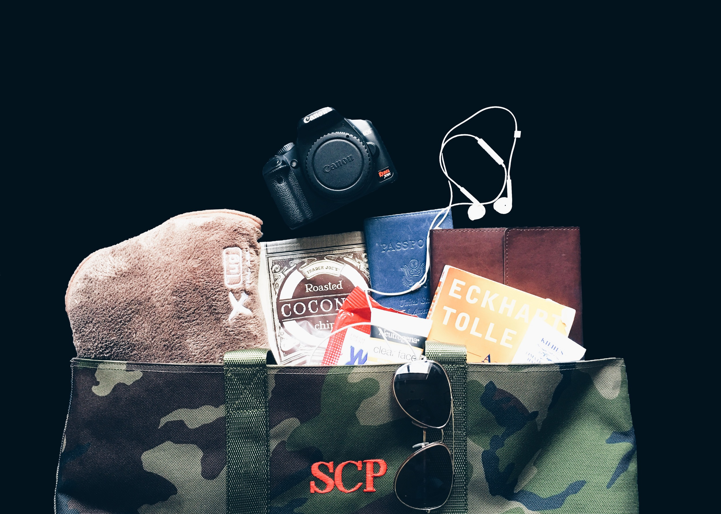 sam-c-perry-travel-essentials-you-need-for-every-flight.jpg