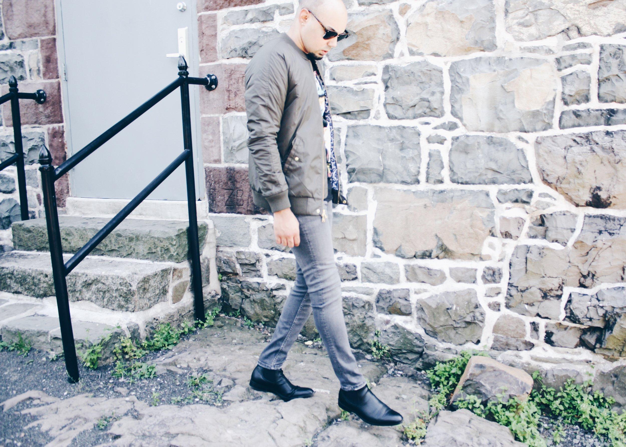 sam-c-perry-vintage-band-tshirt-skinny-jean-walk-full.jpg