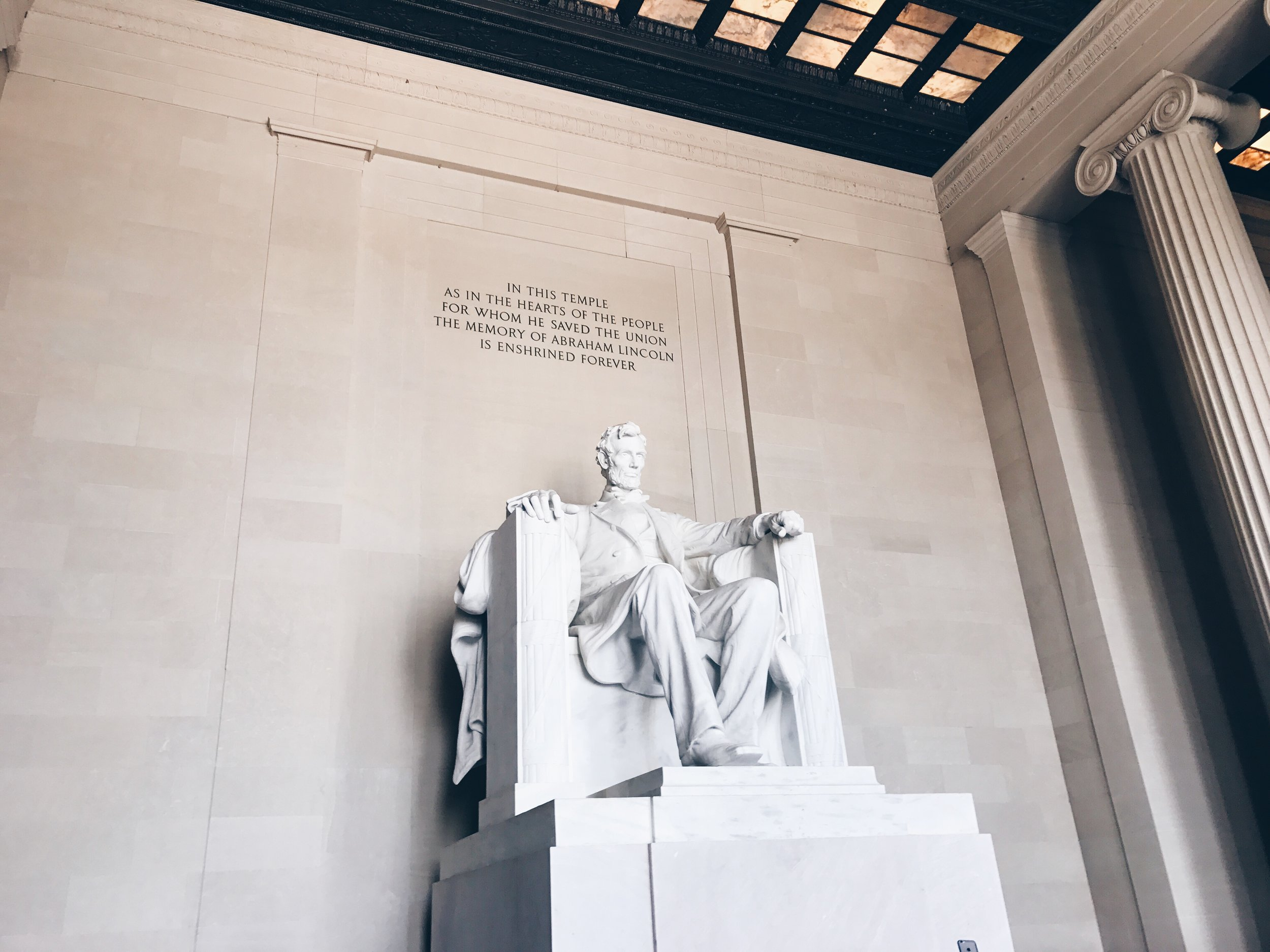 sam-c-perry-travel-24-hours-in-dc-lincoln-memorial.jpg