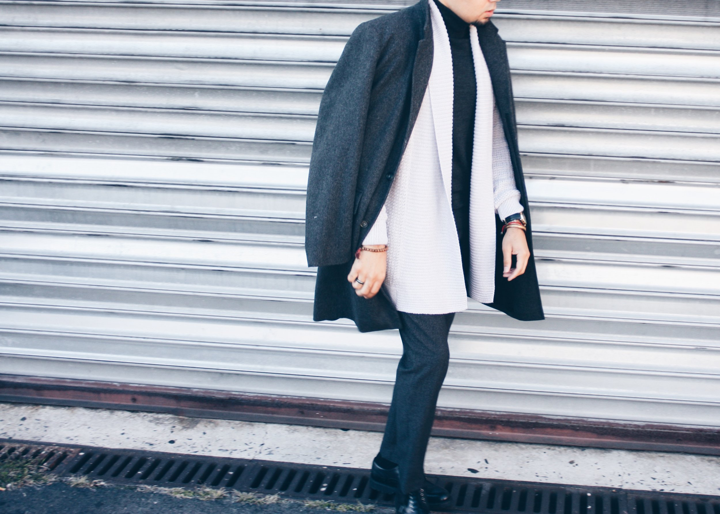 sam-c-perry-monochromatic-grey-oversized-overcoat-cropped-details.jpg