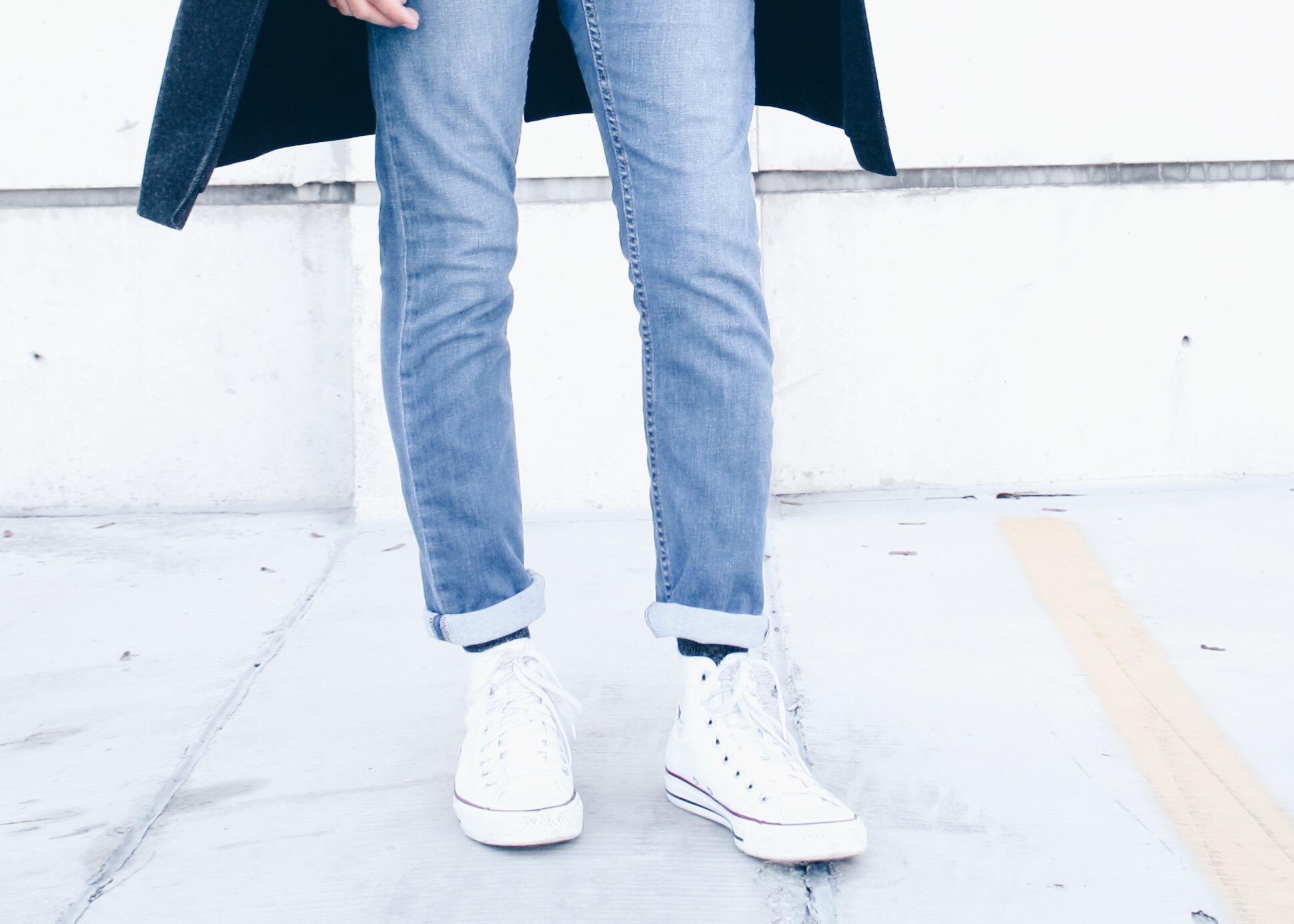 sam-c-perry-denim-on-denim-chunky-knit-converse-sneakers.jpg