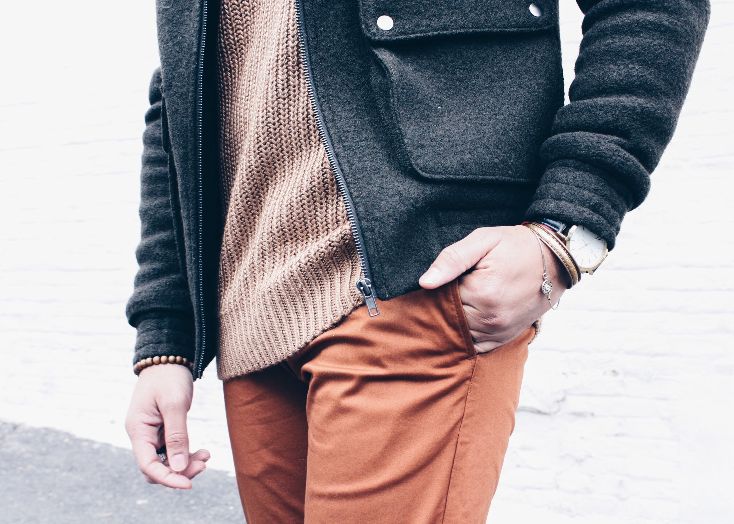 sam-c-perry-chunky-ribbed-knit-sweater-slim-chinos-details.jpg
