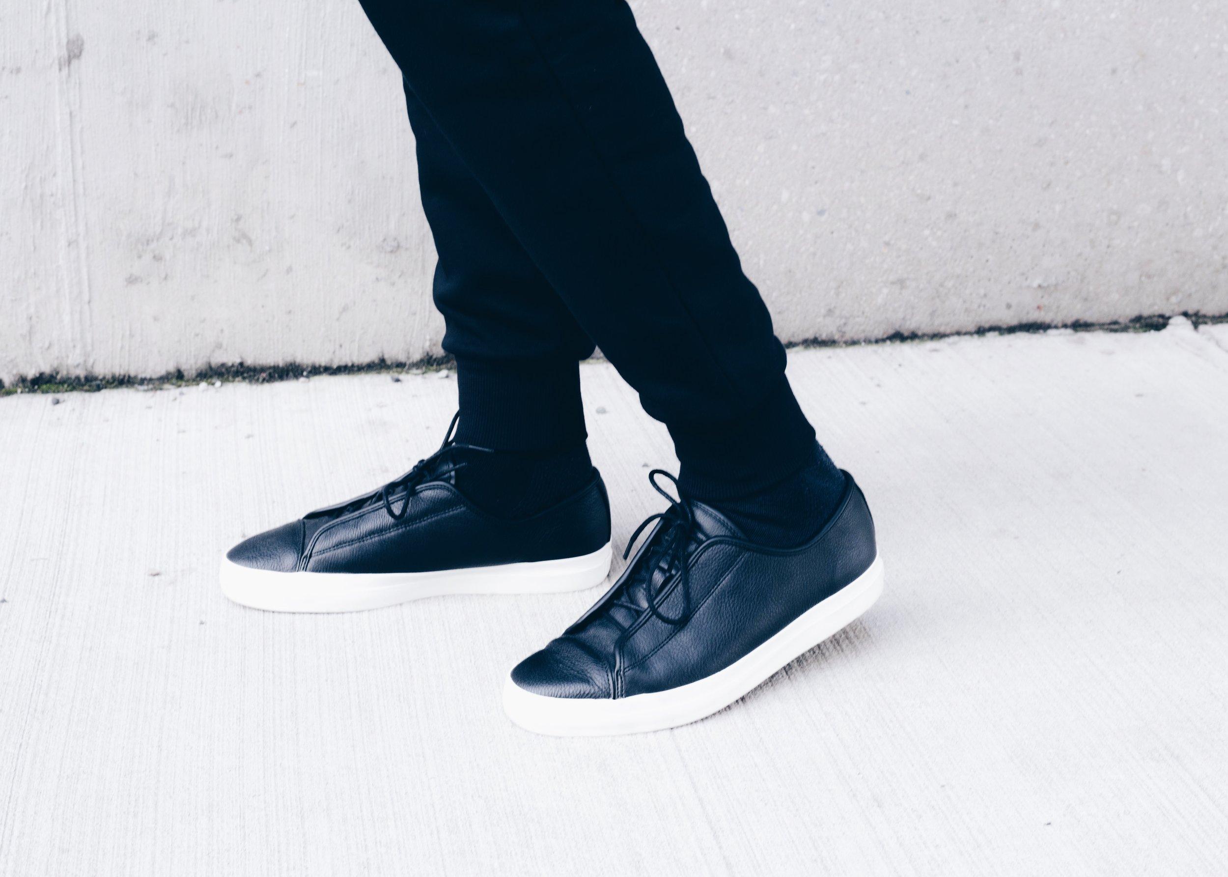 sam-c-perry-overcoat-sweat-joggers-sneakers.jpg