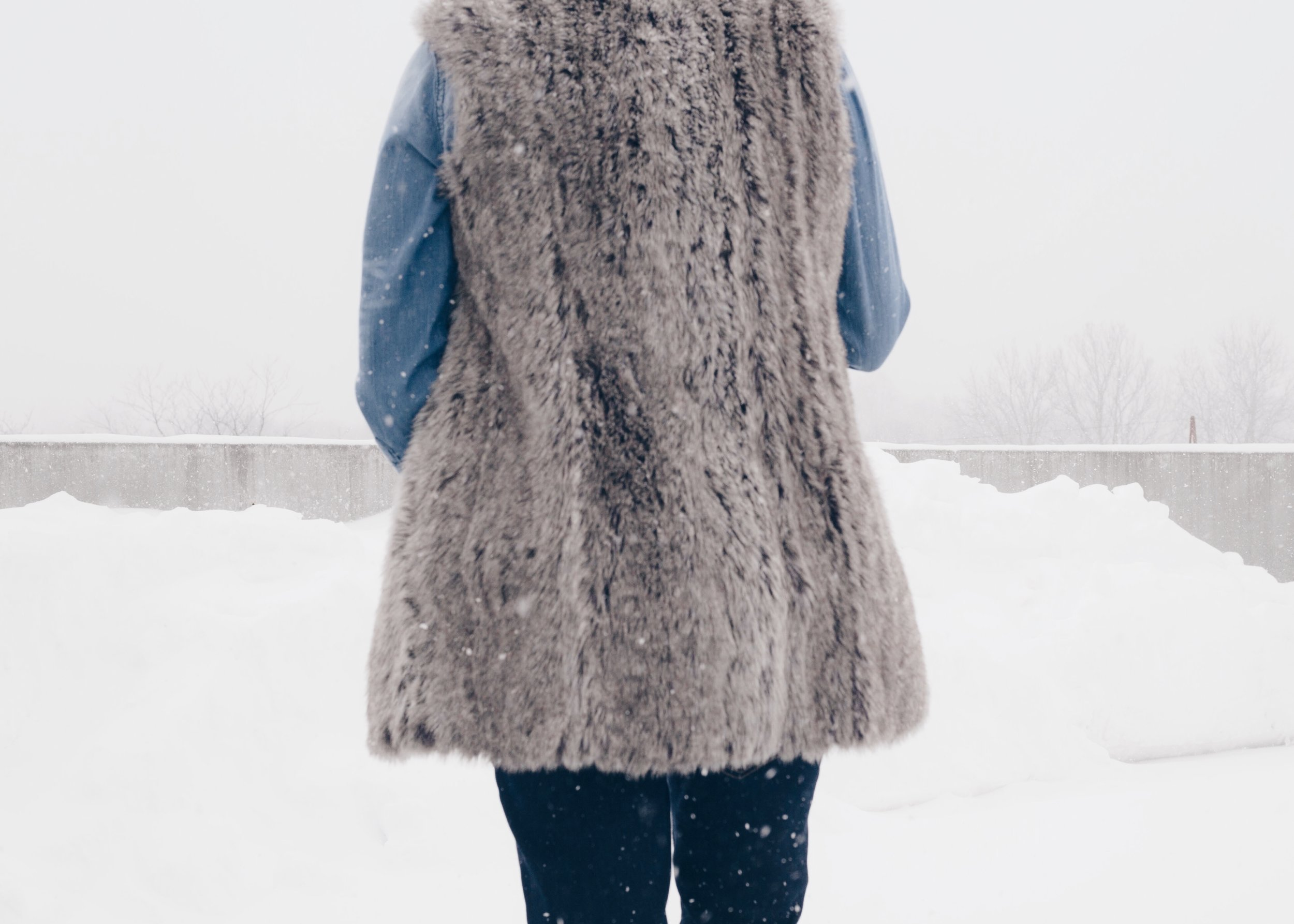 sam-c-perry-fur-vest-denim-on-denim-back.jpg