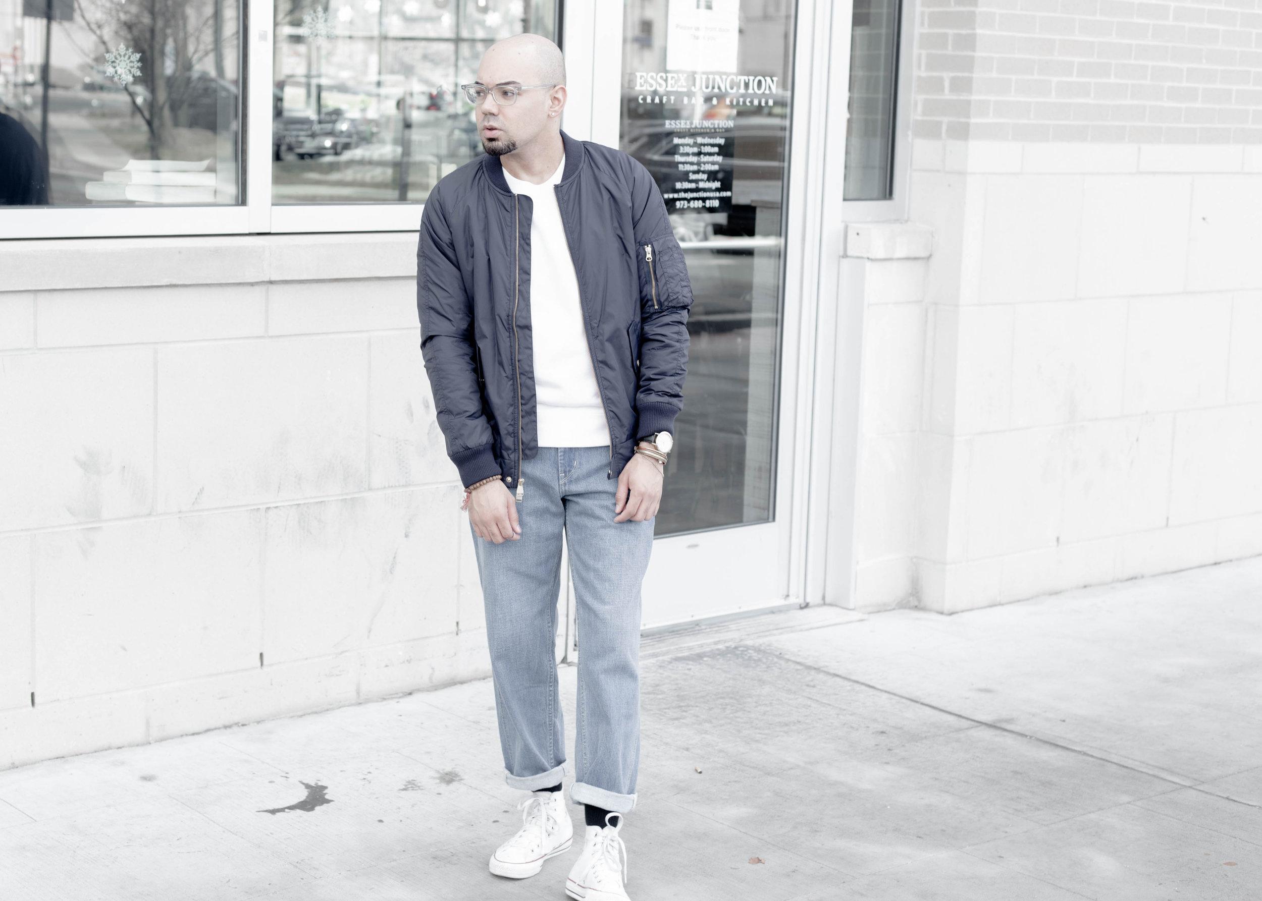 sam-c-perry-short-sleeve-sweatshirt-oversized-relaxed-denim-denim-uniqlo-u-full-side.jpg