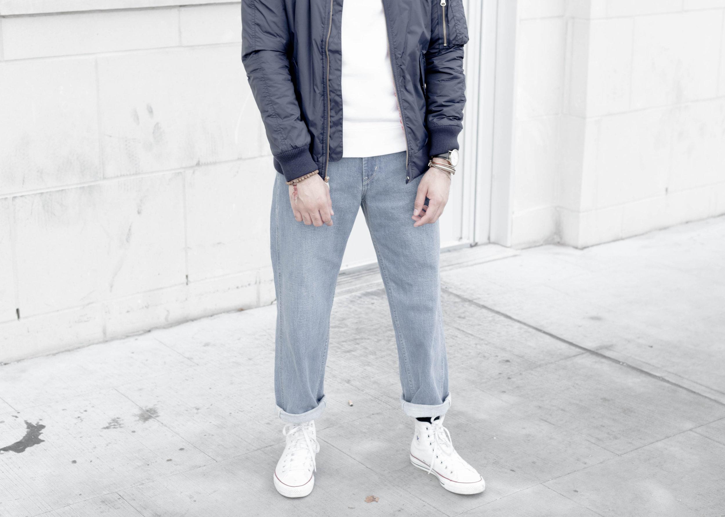 sam-c-perry-short-sleeve-sweatshirt-oversized-relaxed-denim-denim-uniqlo-u-bottom.jpg