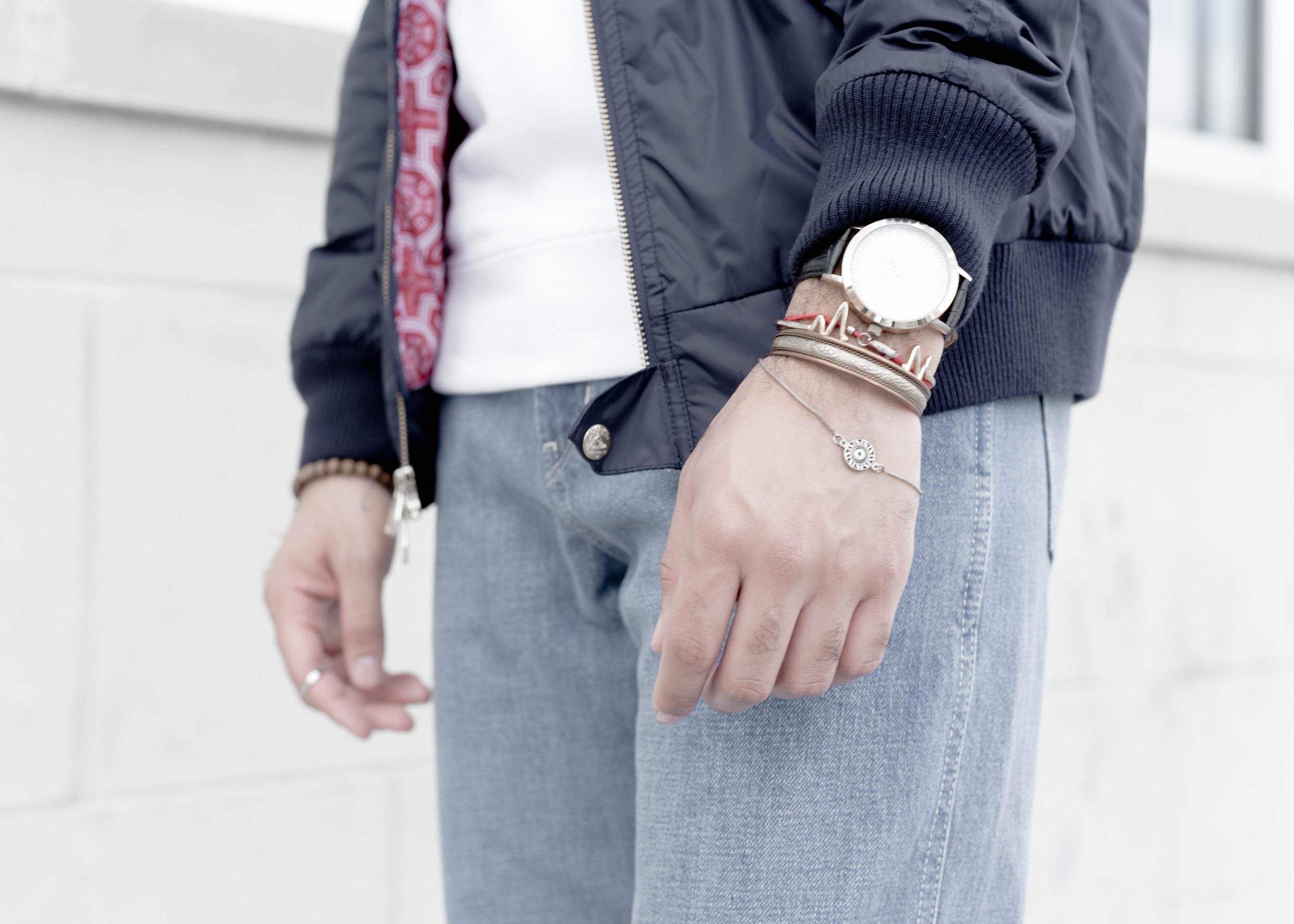 sam-c-perry-short-sleeve-sweatshirt-oversized-relaxed-denim-denim-uniqlo-u-details.jpg