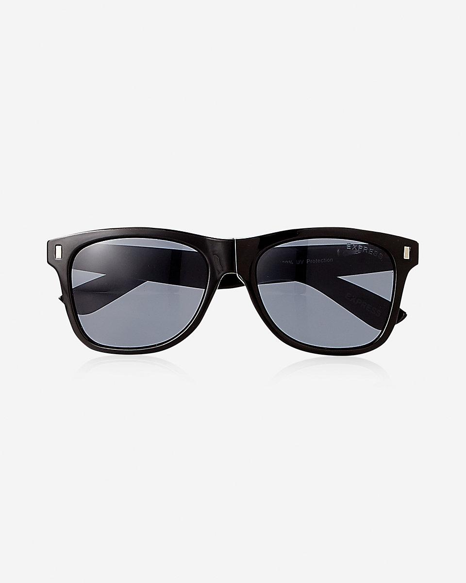 sam-c-perry-leather-jacket-denim-on-distress-denim-express-sunglasses-2.jpg