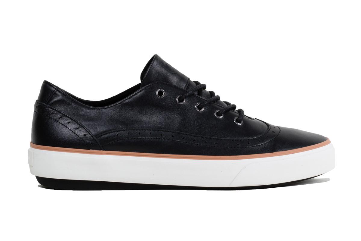unnown-gustav-black-sneakers.jpg