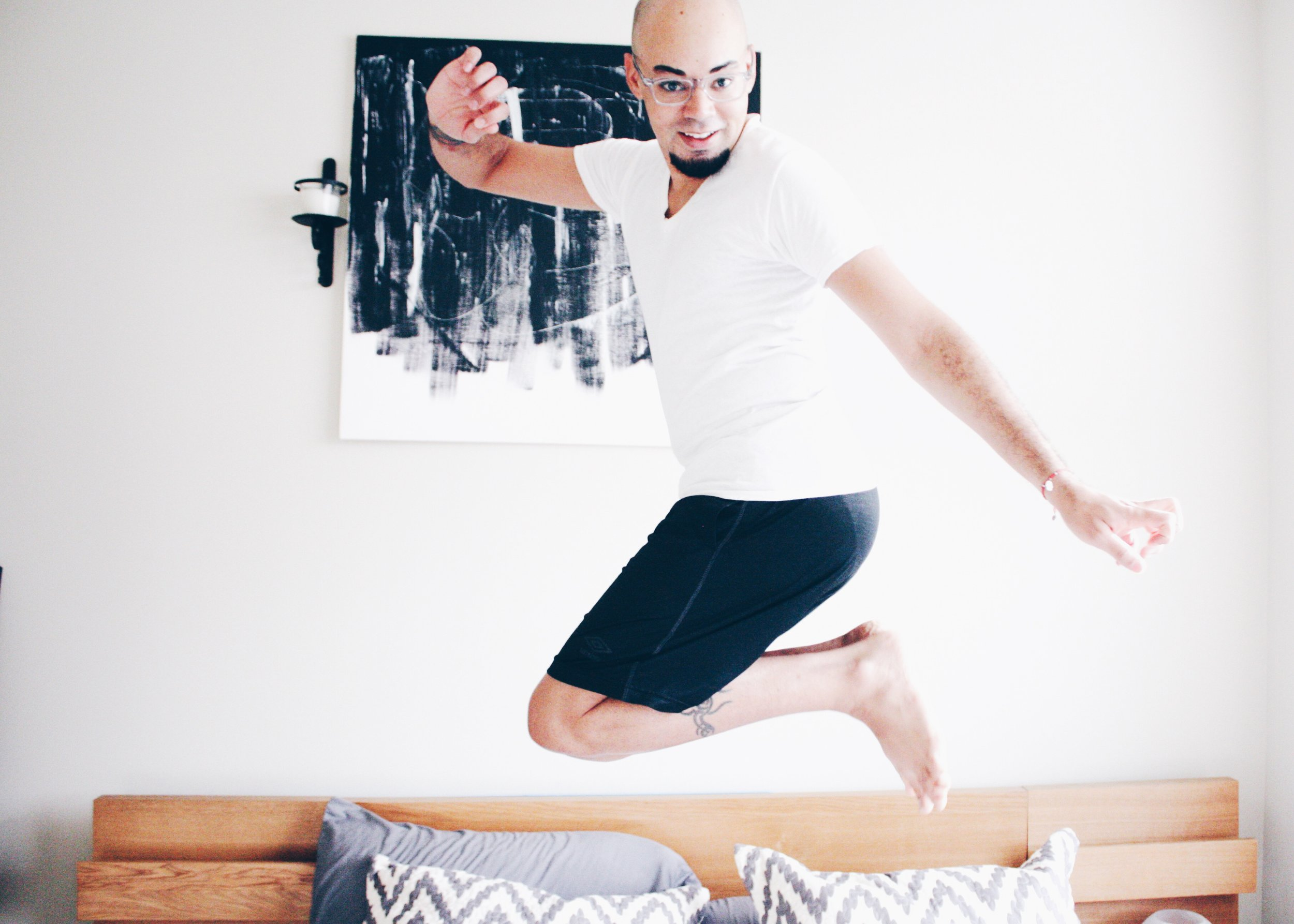 How to Wake Up Feeling Happy, Inspired, and Productive -