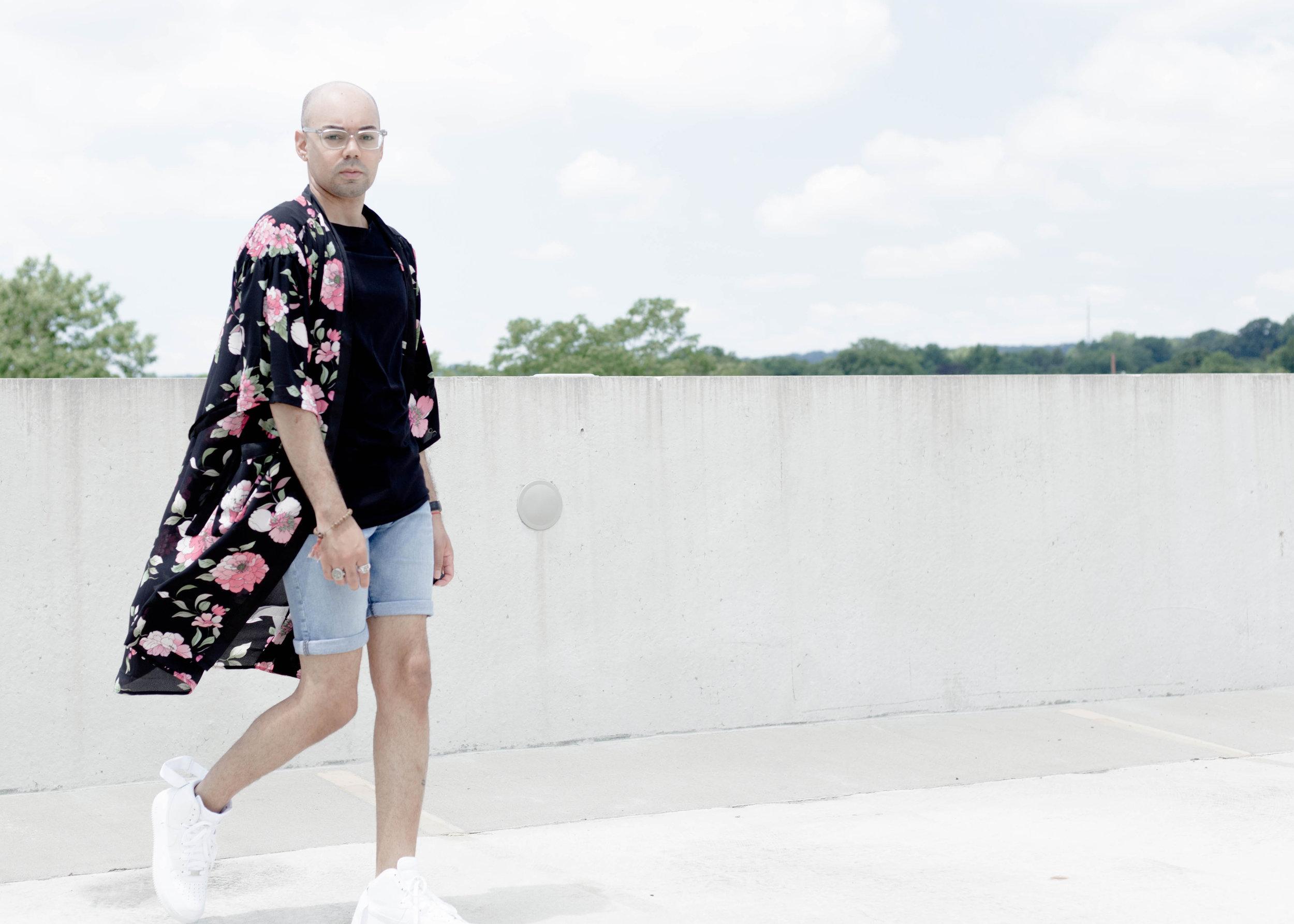 3-ways-to-wear-a-kimono-look-1-walk.jpg