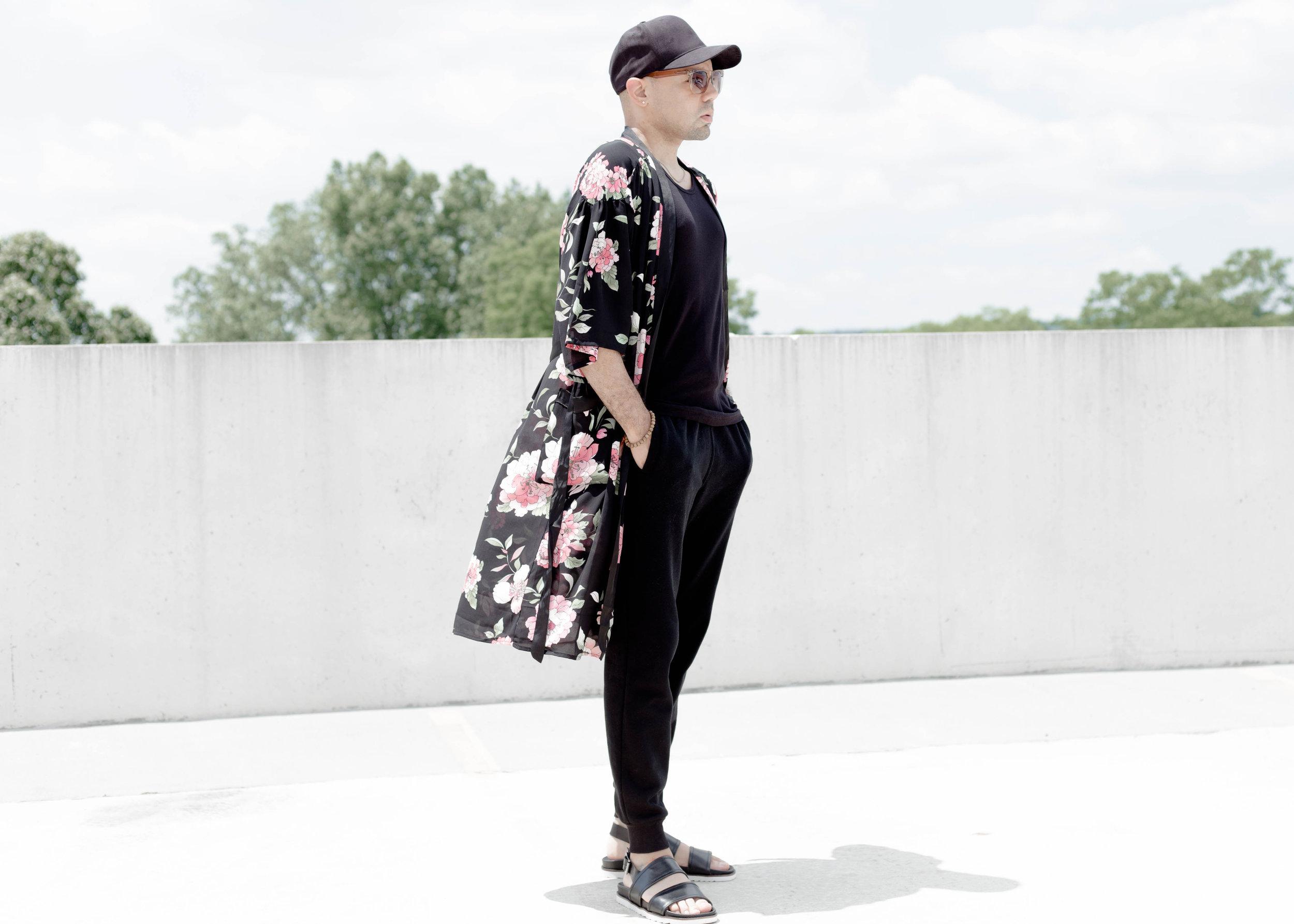 3-ways-to-wear-a-kimono-look-3-stand.jpg