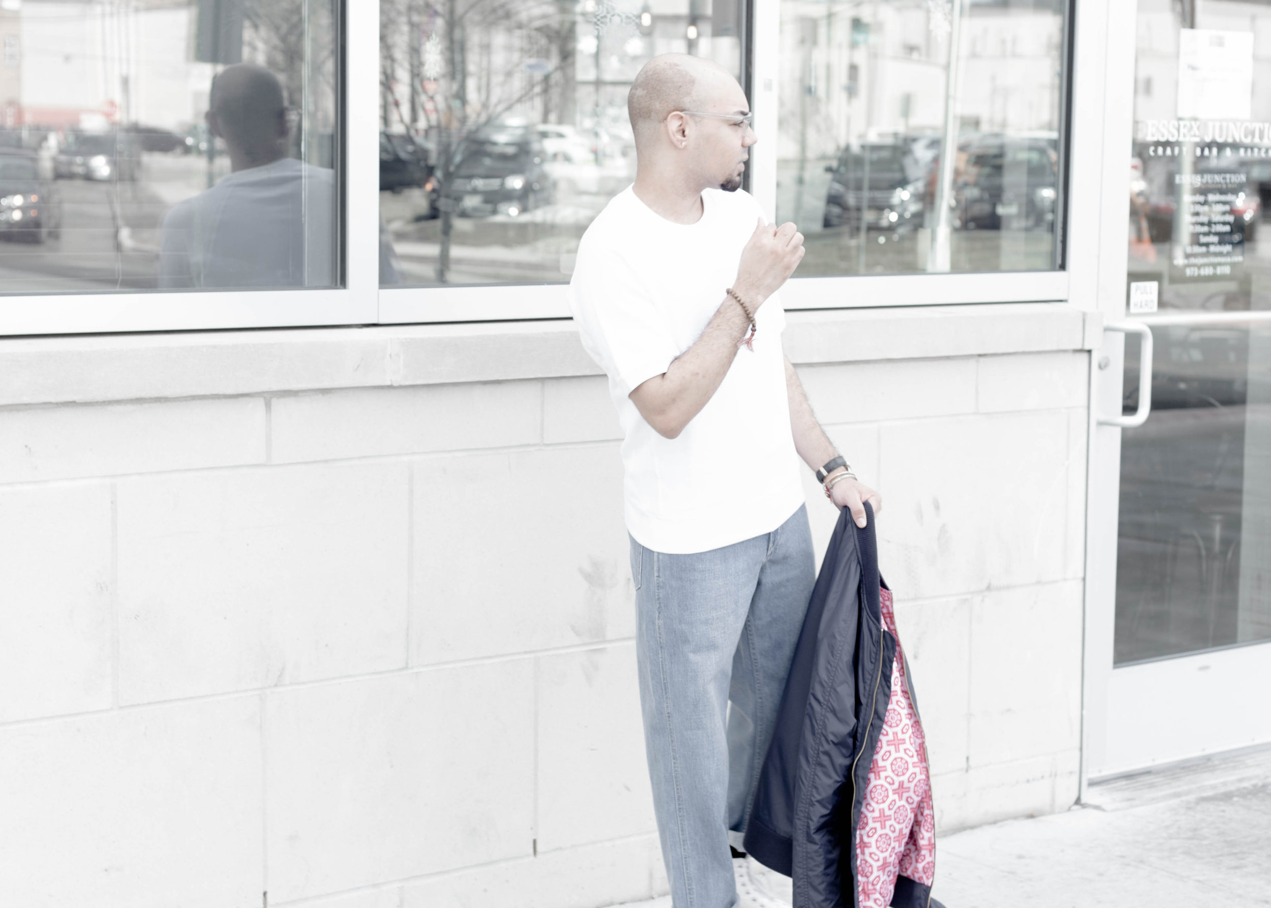 Short Sleeve Sweatshirt + Oversized Relaxed Denim -