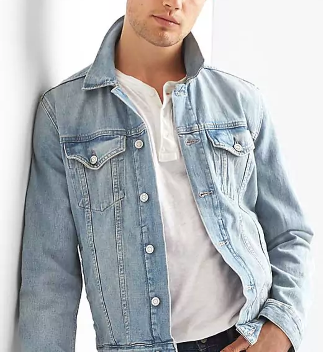 how-to-layer-in-the-summer-denim-jacket.jpg