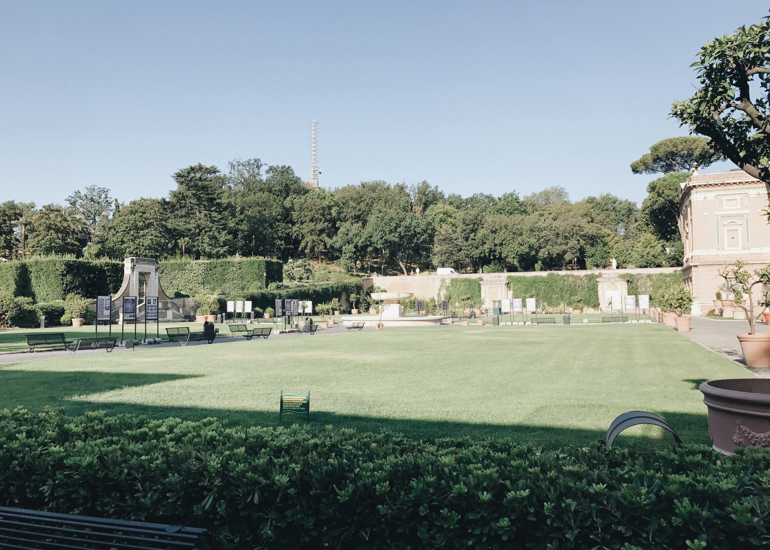 travel-in-style-the-italian-edition-vatican-garden.jpg