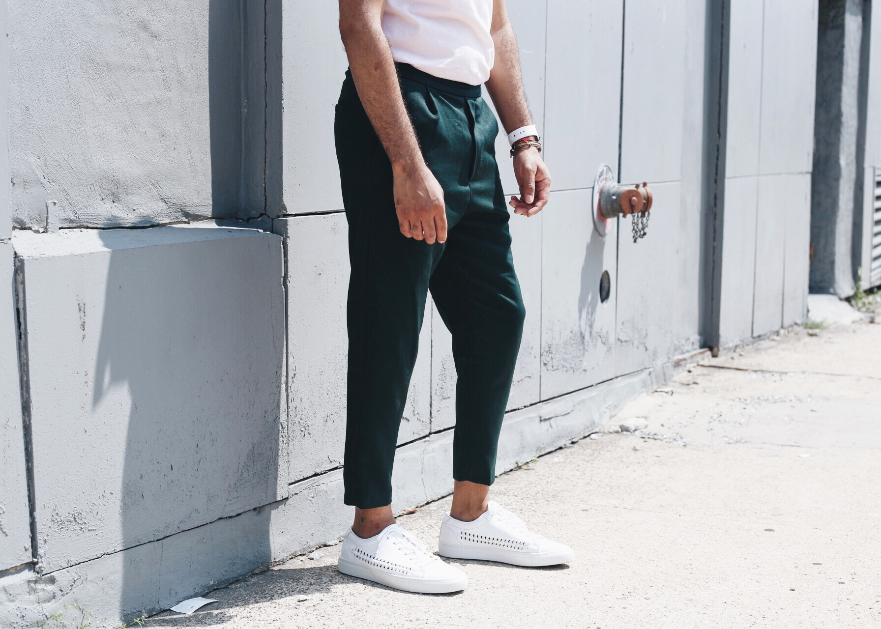 green-cropped-pants-pink-tshirt-cropped.jpg