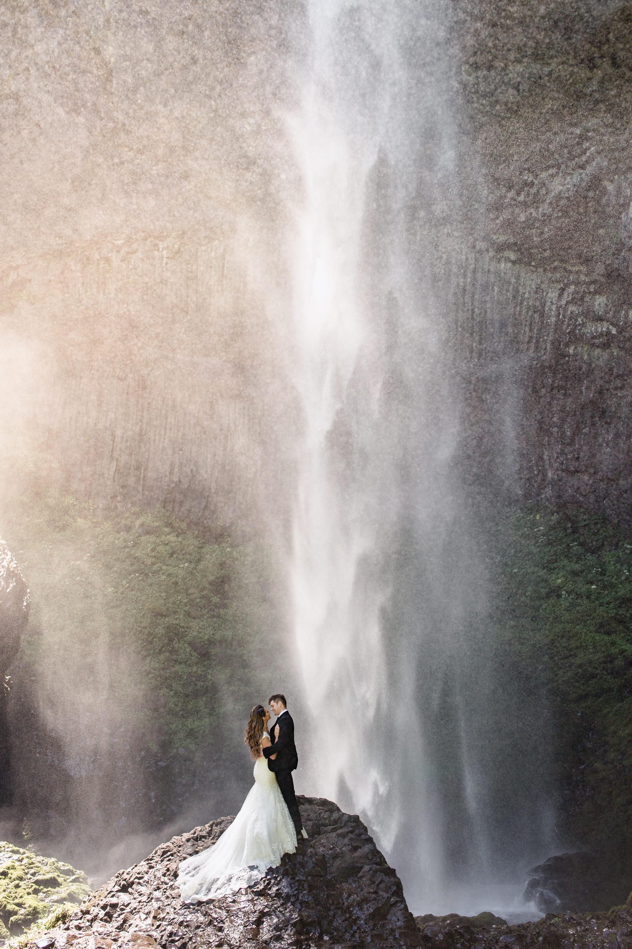 MacCoy Dean Wedding Photography Fine Art Bright Clean Portland Oregon-1-5.jpg