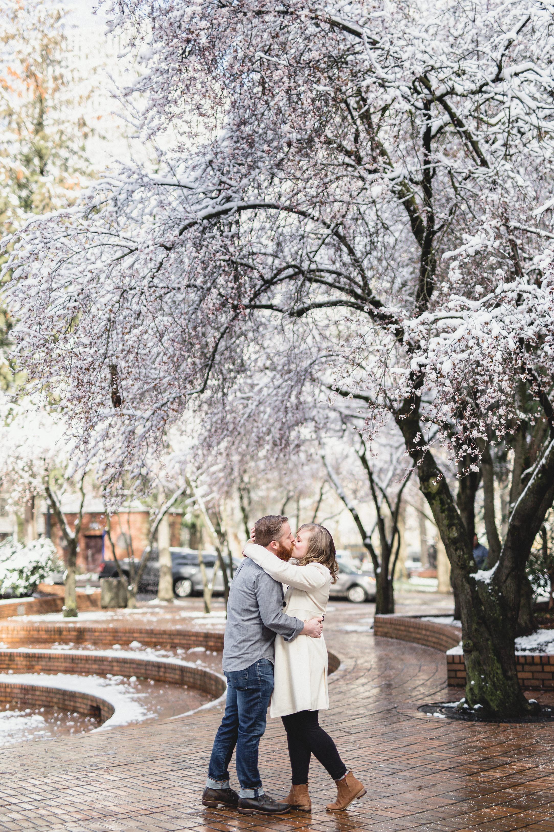 MacCoy Dean Photography Portland Oregon Wedding Photography Downtown Engagement Photoshoot-38.jpg
