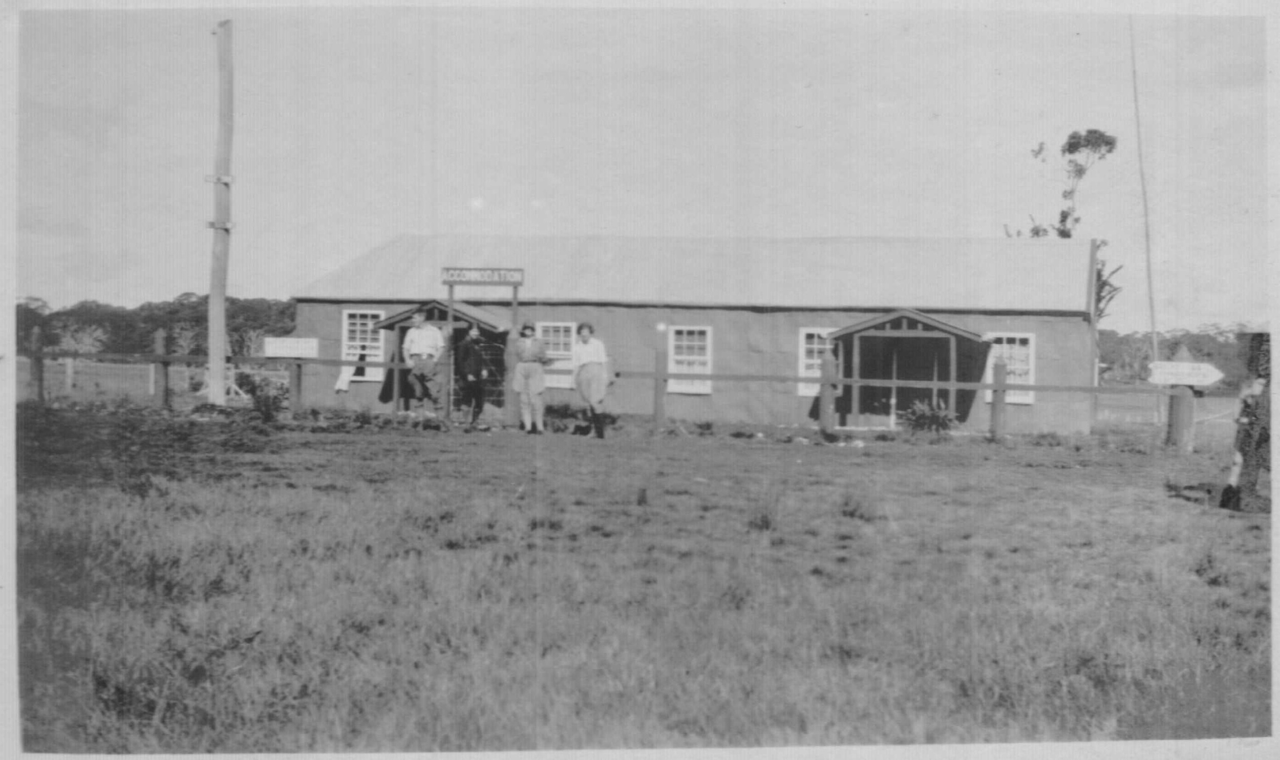 Rundells Alpine Lodge Easter 1928, shortly before it burnt down. Photo Kath Magill.