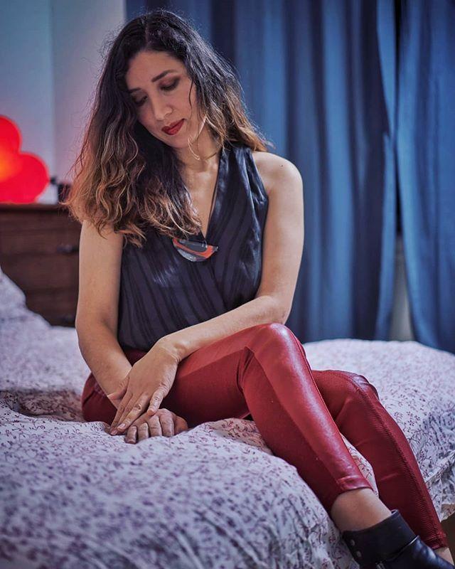Beautiful Luisa #waitingforyou #latina #love #bedroomstories #beauty  #redleggings #beautifulwomen