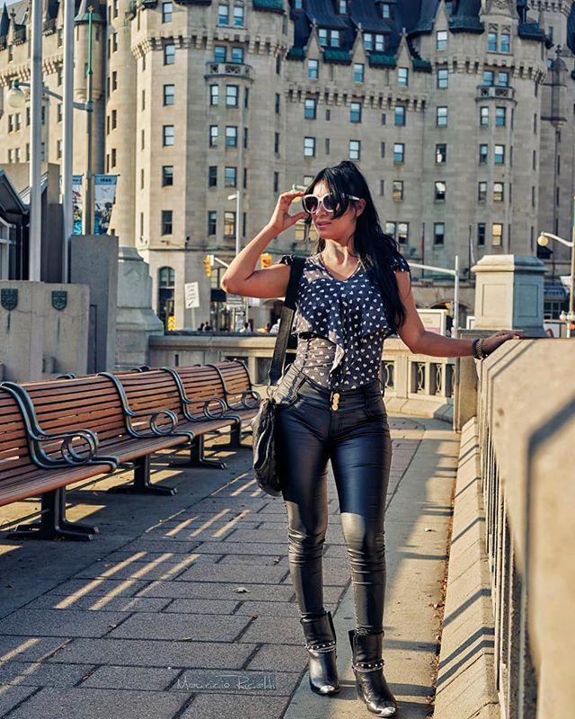Sunny day #ottawa, #lookingood #latina #sunnyday #leatherpants #modelposing #streetgirlstyle