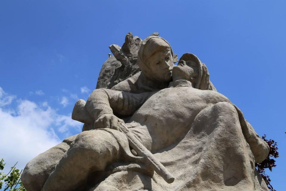 Monument aux morts d'Alfred Boucher à Nogent-sur-Seine après restauration.