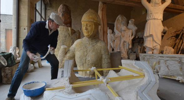 VIDEO. David et Goliath : une restauration titanesque ( www.lunion.com/region/video-david-et-goliath-une-restauration-titanesque-ia3b24n449667)