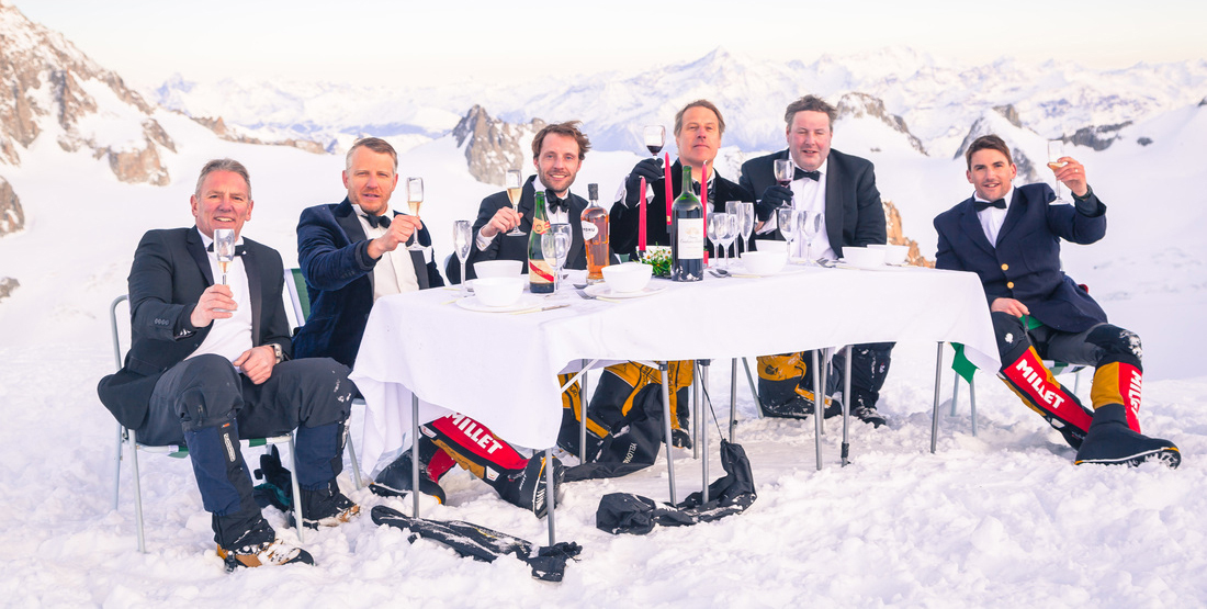 Everest-world-record-dinner-team.jpg