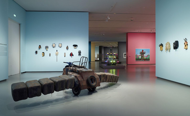 LES INTIÉS_Vue d'installation de l'exposition_1_photo ©Fondation Louis Vuitton - Marc Domage.jpg