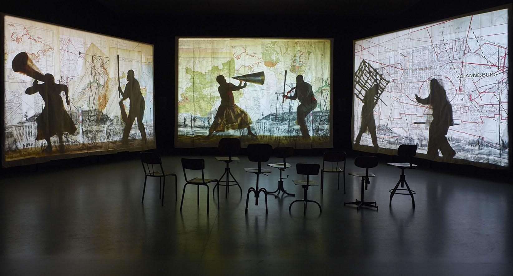 ÊTRE LÀ_vue d'installation de William Kentridge_©William Kentridge_photo ©Fondation Louis Vuitton - Marc Domage.jpg