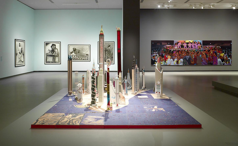 LES INTIÉS_Vue d'installation de l'exposition_4_photo ©Fondation Louis Vuitton - Marc Domage.jpg