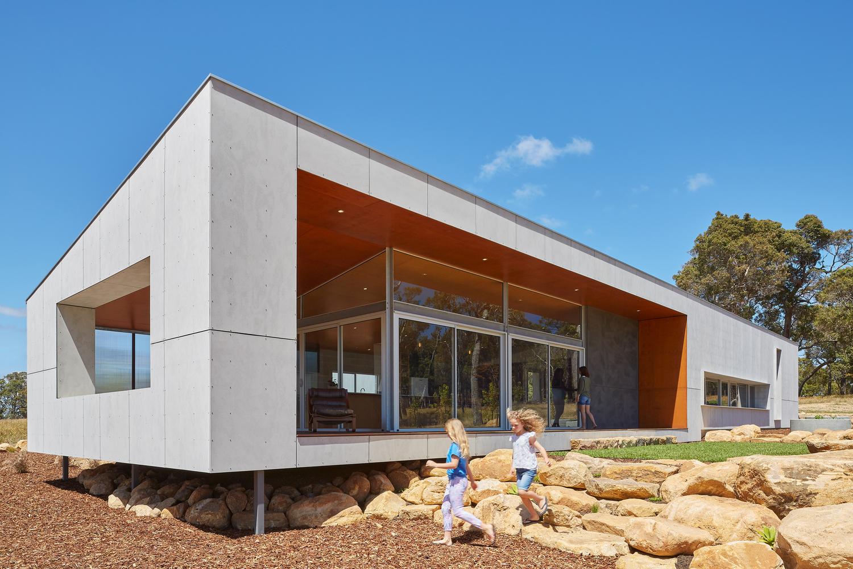 PADDOCK HOUSE / ARCHTERRA