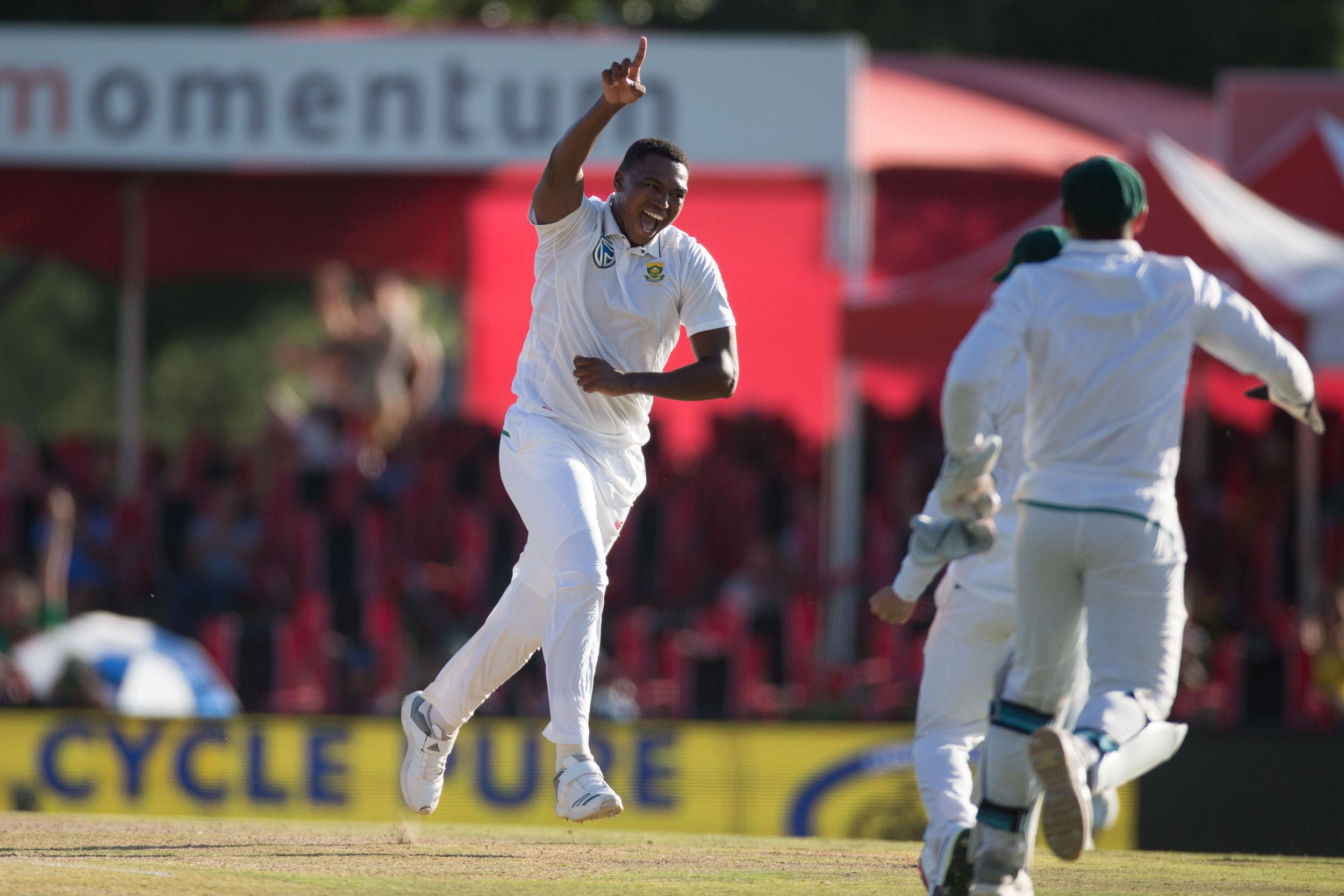 cricket09.jpg