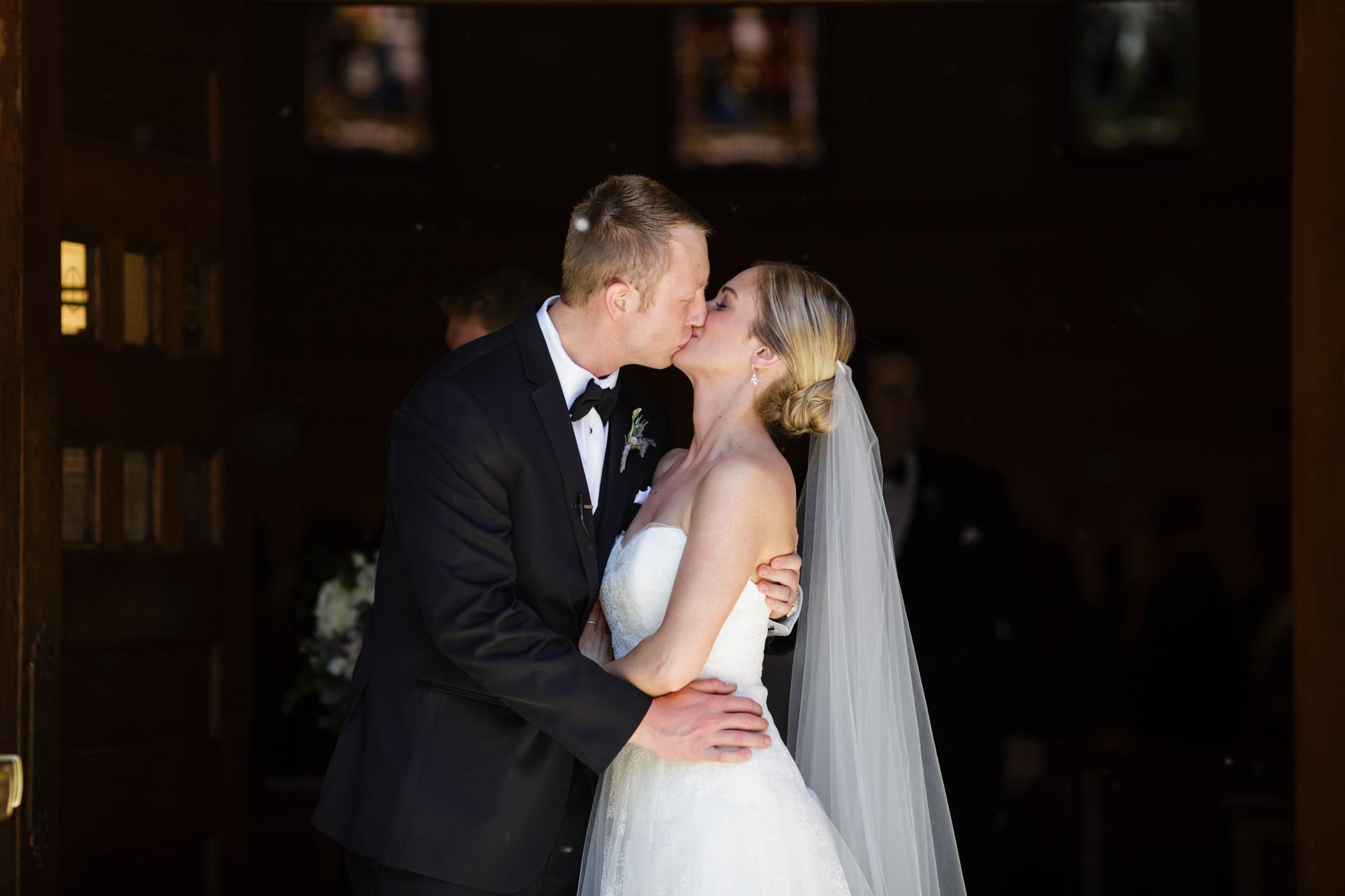 comer_earhart_manor_wedding_annarbor_028.jpg