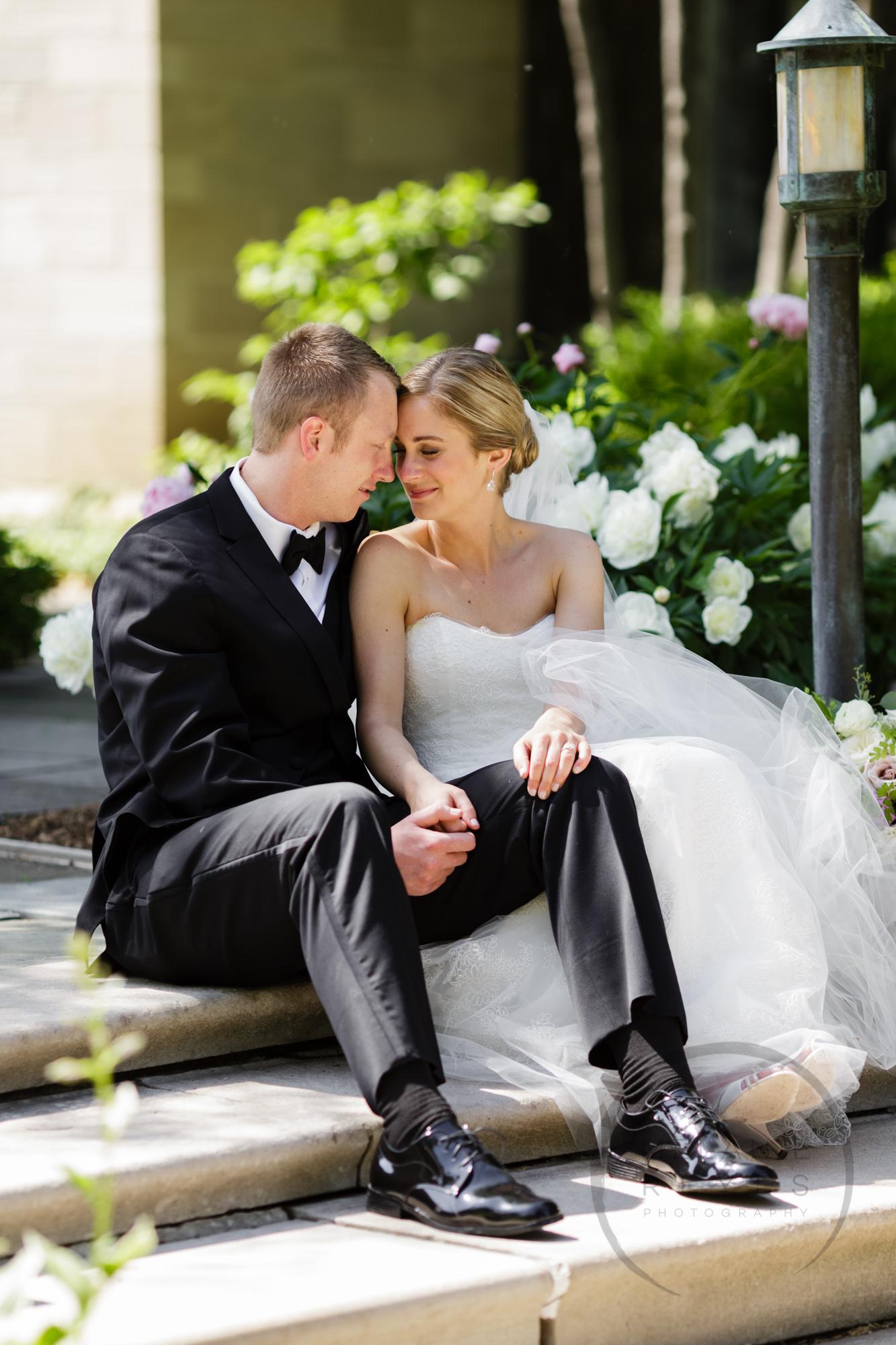 comer_earhart_manor_wedding_annarbor_053.jpg