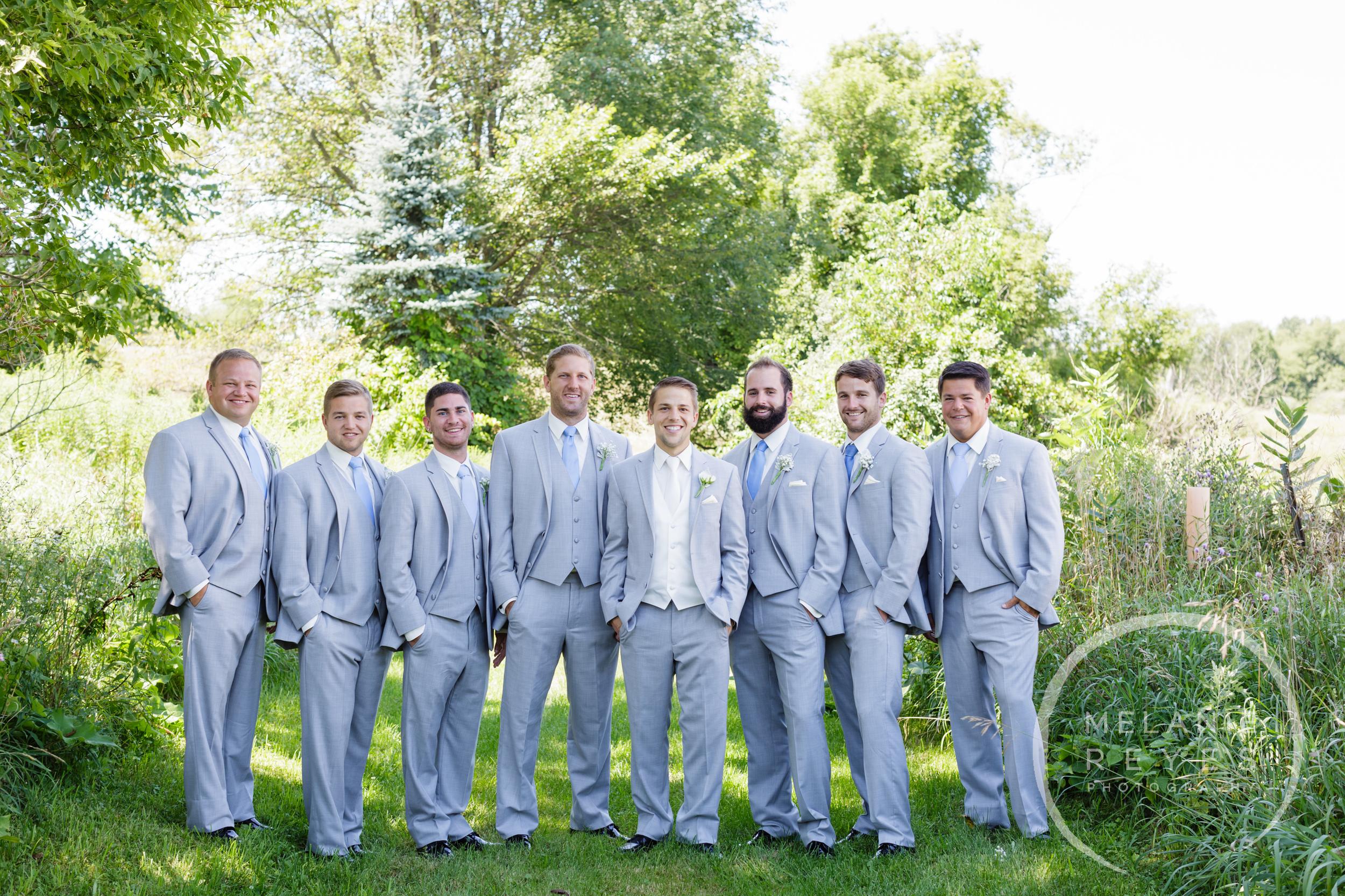 008_farm_wedding_melanie_reyes.JPG