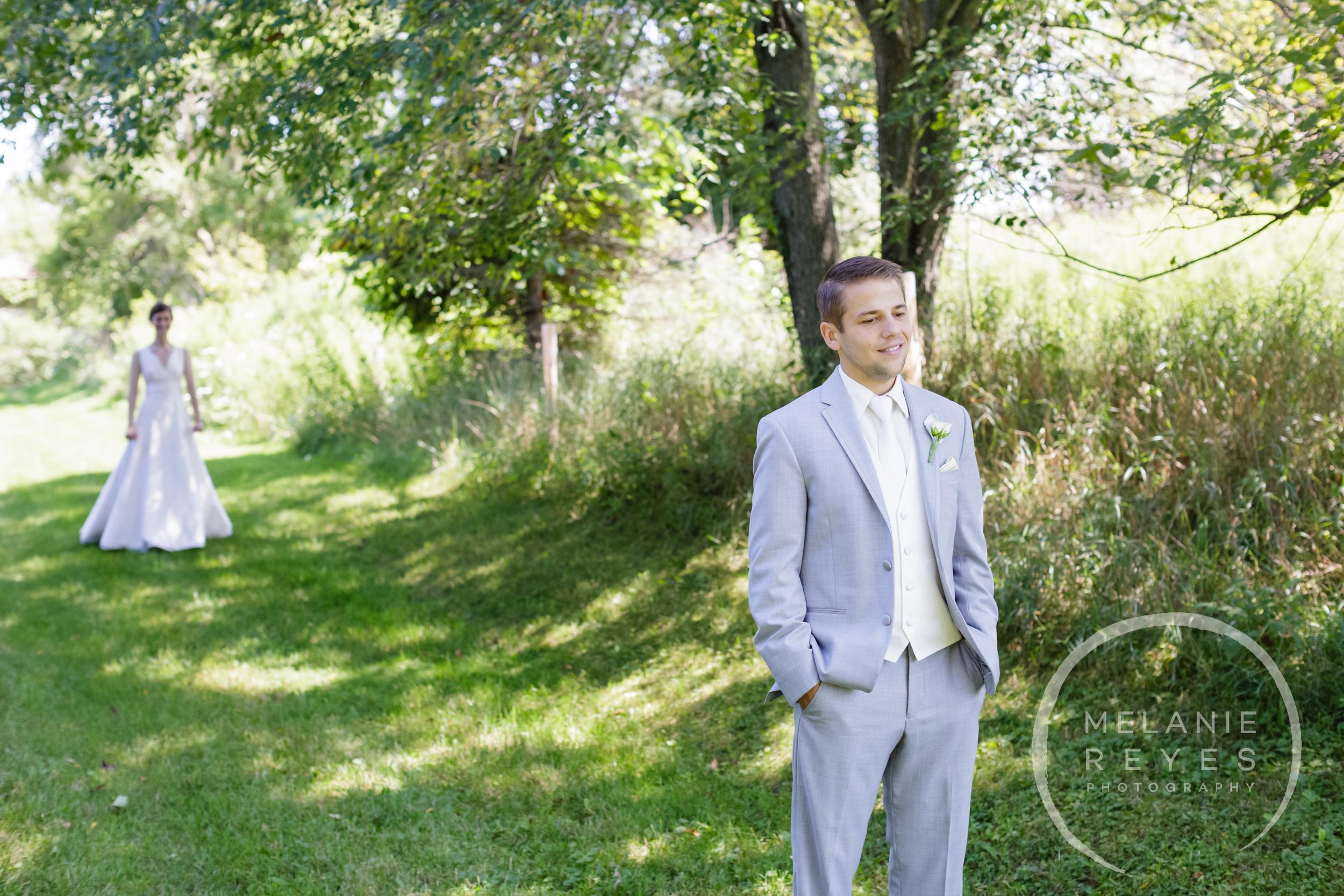 012_farm_wedding_melanie_reyes.JPG